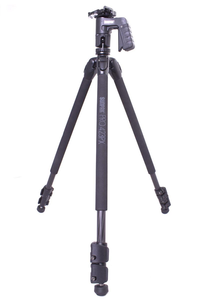 Sunpak 423PX2 167 см, Black штатив423PX2Sunpak 423PX2 - это карбоновый 3х-секционный профессиональный штатив для установки оборудования весом до 7,6 кг. Шаровая голова для фото- и видео съемки, пистолетная рукоятка, быстро снимающаяся площадка и крюк для стабилизации главные преимущества штатива. Система фиксации защищена резиновыми накладками, исключающими возможность попадания в механизм воды и грязи. Выполненный из высокопрочного карбона штатив сохранит свои качества неизменными на протяжении всего срока эксплуатации.