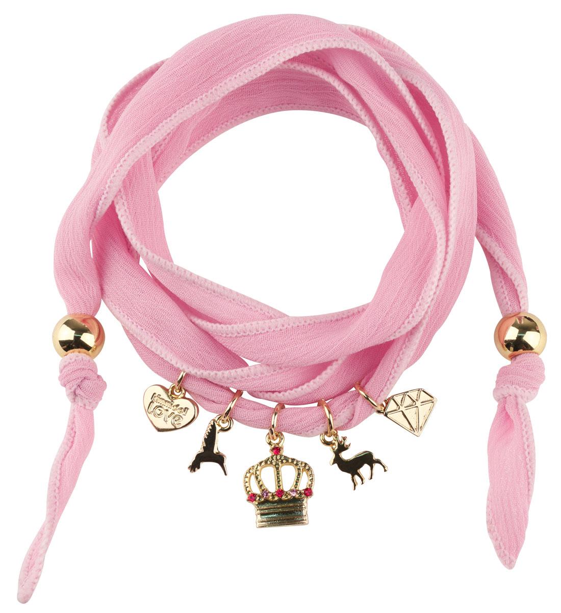 Женский браслет Kimmidoll Примроуз (Величие и богатство)Браслет с подвескамиОчаровательный браслет, выполненный из шифона, оформлен подвесками в виде сердца, короны, кристалла и оленя. Концы браслета оформлены бусинами. Изделие упаковано в подарочную коробку.Такой браслет прекрасно подойдет к вашему образу. Его можно повязать не только на руку, но и на шею или даже на любимую сумочку.Привет, меня зовут Примроуз! Я талисман богатства и величия. Скромность никогда не была частью вашей жизни! Возможно, приходится притворяться, но когда вы начинаете танцевать - можно держать пари, ваша шаловливая натура не заставит себя долго ждать!