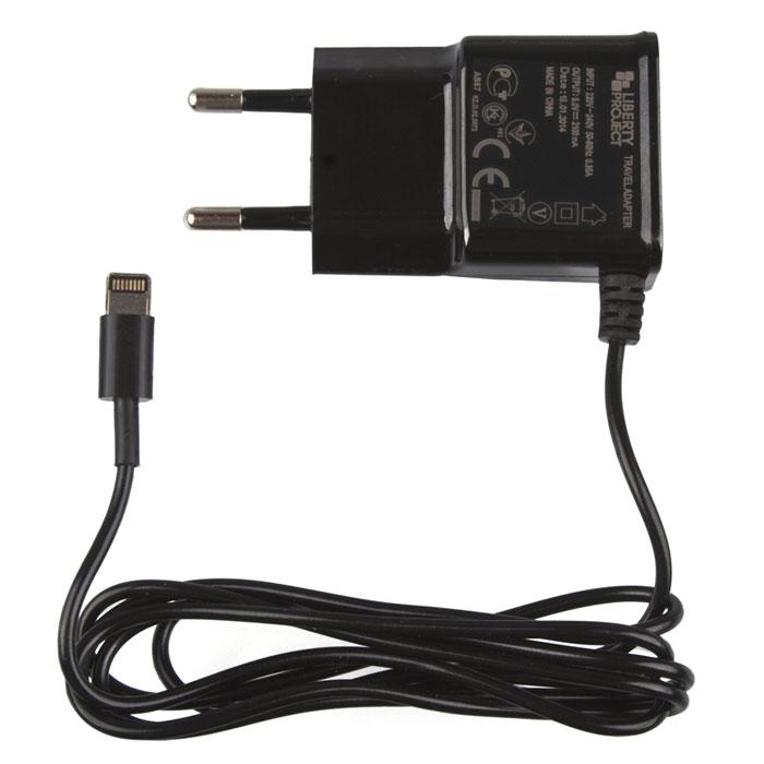 Liberty Project зарядное устройство 2,1 А для Apple 8 pinR0001414Сетевое зарядное устройство для устройств Apple с разъемом 8 pin.