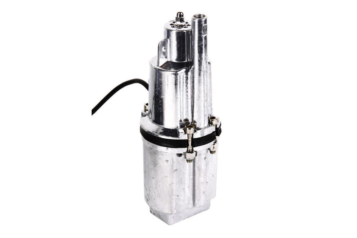 Hammer NAP200 (16) погружной вибрационный насосNap200 (16)Насос вибрационный погружной HAMMER NAP200 (16) применяется для перекачки переносной и подъема чистой воды из скважин, колодцев на высоту до 40 метров. Отличается малым потреблением электрической энергии. Вал двигателя из нержавеющей стали и алюминиевый полированный корпус обеспечивают повышенную надежность и продлевают срок службы насоса. Вибрационный насос HAMMER NAP200 (16) оснащен системой термозащиты и кабелем 16 м. Верхний забор воды способствует охлаждению электромагнитной системы, защищает от чрезмерной перегрузки и препятствует замутнению воды. Подходит для перекачки жидкости на большие горизонтальные расстояния - до 150 метров.