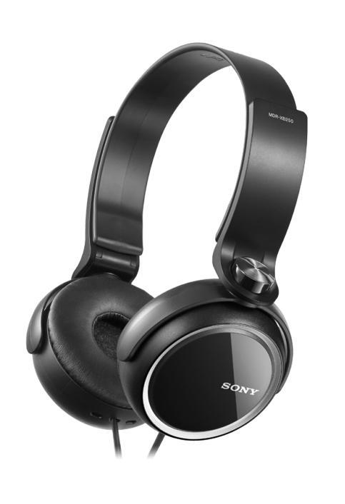 Sony MDR-XB250, Black наушникиMDRXB250B.ESony eXtra Bass - линейка наушников для любителей глубоких басовНизкие звуковые частоты позволяют чувствовать звук, когда ритм ударных задает ритм вашего сердца и если глубокие и выразительные басы являются для вас одной из главных составляющих хорошего звука, вам стоит обратить внимание на линейку наушников Sony eXtra Bass (серия MDR-XB). Наушники Sony eXtra Bass созданы таким образом, чтобы воспроизводить мягкие резонирующие низкочастотные звуки в музыке любых направлений, обеспечивая великолепное звучание басов.Воссоздайте атмосферу клубной вечеринки, где бы вы ни были, с наушниками MDR-XB250. Удобные кольцеобразные накладки позволяют слушать музыку часами напролет, а складная конструкция наушников делает их использование удобным и позволяет легко брать с собой повсюду. Двусторонний шнур устойчив к спутыванию.