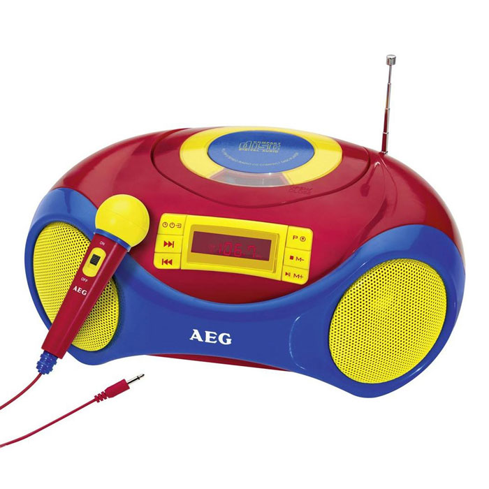 AEG SR 4363 магнитолаSR 4363 buntAEG SR 4363 - компактный детский стереорадиоприемник с цифровым PLL-тюнером и возможностью проигрывания CD/MP3. Загрузка дисков осуществляется в верхней части корпуса. Доступны различные функции воспроизведения и программирования треков. Встроенный CD-дисплей отображает всю необходимую информацию при прослушивании. Магнитола может работать как от сети, так и 4 батареек UM2 (тип С).Разъёмы: порт USB 2.0, вход AUXДля детей старше 3 лет
