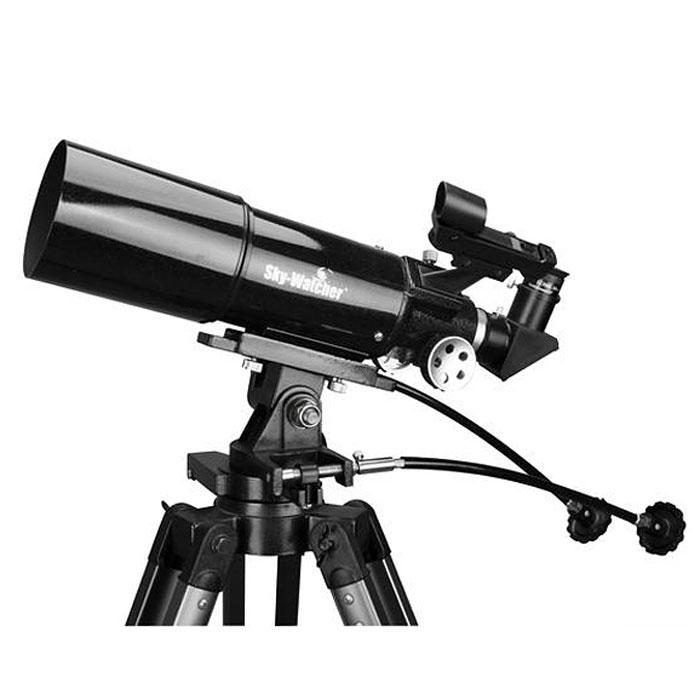 Sky-Watcher BK 804AZ3 телескопBK 804AZ3Ахроматический рефрактор Sky-Watcher BK 804AZ3 – это идеальный инструмент для изучения объектов Солнечной системы и для наземных наблюдений. Просветленная оптика обеспечивает передачу четкой картинки по всему полю зрения. Оптическая труба укорочена, поэтому телескоп достаточно компактен. Данная модель отличается надежной конструкцией и понятным управлением.80-миллиметровый двухэлементный ахроматический объектив формирует контрастное и резкое изображение, практически свободное от хроматических аберраций. На оптические поверхности нанесено полное многослойное просветляющее покрытие.В комплект входят окуляры с фокусным расстоянием 25 мм и 10 мм. Первый применяется для обзорных наблюдений, а второй рекомендуется для более детального изучения объектов.Оптическая труба фиксируется при помощи крепежных колец – этот способ установки позволяет подготовить телескоп к работе максимально быстро. Азимутальная монтировка AZ3 позволяет передвигать трубу плавно и точно. Монтировка снабжена механизмами тонких движений с длинными гибкими ручками.