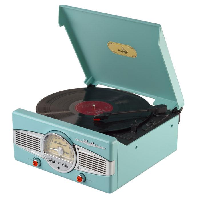 PlayBox San Remo ретро-проигрыватель, Green (PB-101)PB-101-CGPlayBox San Remo - стильный и компактный проигрыватель виниловых дисков, дизайн которого напоминает проигрыватели в форме чемоданчиков 50-х годов прошлого века. Данная модель позволит вам прослушивать пластинки всех известных типов, а встроенный радиоприемник - наслаждаться любимыми радиостанциями. Помимо всех основных разъемов, проигрыватель оснащен встроенными динамиками.