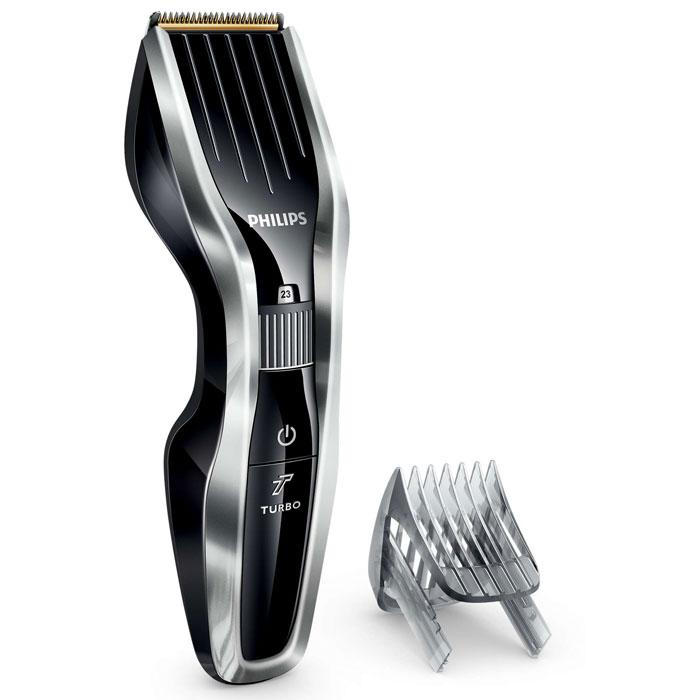 Philips HC5450/15 машинка для стрижки волосHC5450/15Машинка для стрижки волос Philips HC5450/15 создана для эффективной работы и долгой службы. Инновационный режущий блок, прочные титановые лезвия и регулируемый гребень — все, что нужно для быстрой и точной стрижки.Двойной режущий блок с двойной заточкой и уменьшенным трением:Усовершенствованная технология DualCut — это режущий блок с двойной заточкой и низким коэффициентом трения. Прочный корпус выполнен из нержавеющей стали, а инновационный режущий блок обеспечивает в два раза более быструю стрижку для любого типа волос по сравнению с обычными машинками Philips.Самозатачивающиеся титановые лезвия придают дополнительную прочность:Титановые лезвия прочнее стальных, они являются стандартом максимальной надежности. Кроме того, лезвия самозатачиваются, обеспечивая долгий срок службы и точную стрижку.24 установки длины от 0,5 до 23 мм, которые легко выбрать и зафиксировать:Поверните колесико для выбора и фиксации нужной установки длины. Прибор оснащен 23 установками длины: от 1 до 23 мм с шагом 1 мм. Прибор также можно использовать без гребня для подравнивания на минимальной длине 0,5 мм.1 час зарядки — 90 минут автономной работы:Для максимальной мощности и свободы движения питание прибора может осуществляться как от сети, так и от аккумулятора. 90 минут автономной работы после 1 часа зарядки.Кнопка турборежима для увеличения скорости стрижки:Кнопка турборежима позволяет увеличить скорость для оптимальной стрижки даже самых жестких волос.Съемные лезвия для удобной очистки:Просто снимите головку, чтобы освободить и очистить лезвия.