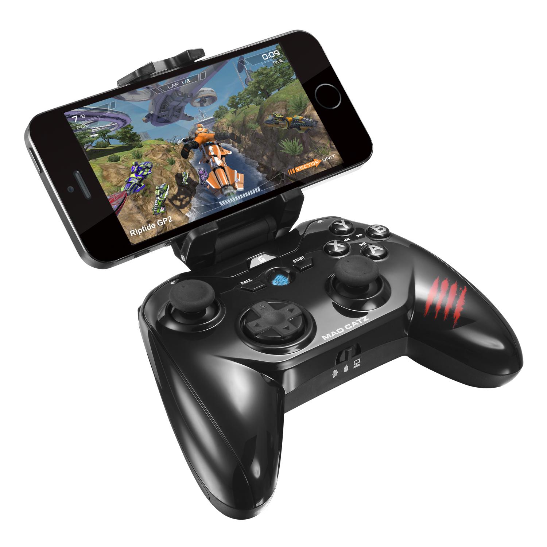 Mad Catz Micro C.T.R.L.R, Black беспроводной геймпадPCA268Mad Catz Micro C.T.R.L.R - компактный беспроводной геймпад для мобильных устройств на базе OC Android. Новинка, фактически, превращает смартфон или планшет в компактную игровую консоль. Контроллер подключается к смартфону или планшету по беспроводному протоколу Bluetooth. Пользователю будут доступны такие средства управления, как восьмипозиционный D-pad, два аналоговых стика, четыре action-клавиши. Устройство использует стандарт Bluetooth 4.0 и обеспечивает автономную работу до 40 часов. Micro C.T.R.L.R совместим со всеми устройствами, работающими на базе Android, а также со стационарными PC и Mac. Кроме того, с его помощью можно играть и на большом экране телевизора, для этого мобильное устройство, к которому подключен контроллер, необходимо подсоединить к ТВ через интерфейс HDMI.Mad Catz Micro C.T.R.L.R совместим с медиаплеерами и приставками для Smart TV - такими, как Amazon Fire TV и так далее. В зависимости от того, с каким устройством работает геймпад, пользователь может выбрать один из трех функциональных режимов. Предусмотрена также возможность управлять воспроизведением аудио и видео с помощью стандартных action-клавиш. Для настройки контроллера предлагается специальное ПО GameSmart, позволяющее запрограммировать средства управления под индивидуальный стиль игры пользователя. В комплекте с устройством предусмотрено съемное регулируемое крепление для установки смартфона или планшета шириной от 57 до 80 мм.