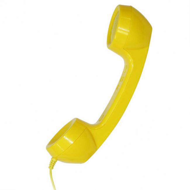 CBR FD 360, Yellow гарнитураFD 360Создайте свой неповторимый образ при помощи гарнитуры FD 360 от компании CBR.Необычный ретродизайн и простота в использовании с мобильным телефоном или ПК наполнят ваше общение яркими эмоциями и позитивом.Гарнитура FD 360 совместима со всеми типами мобильных телефонов и смартфонов, оснащенных разъемом 3,5 мм, а также с любыми ПК, благодаря наличию специального переходника (поставляется в комплекте). Помимо этого гарнитуру можно использовать для прослушивания музыки. Тип Проводная гарнитураЦвет желтыйРазъем 3,5 ммПереходник для ПКОбщая длина провода с переходником 150 смРазмеры 28 х 5,4 х 6,5 смВес 140 г