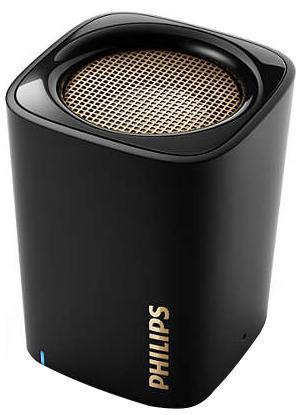 Philips BT100B/00 акустическая системаBT100B/00Беспроводная передача звука через BluetoothBluetooth — надежная и энергоэффективная технология беспроводной связи малого радиуса действия, которая позволяет с легкостью подключать iPod/iPhone/iPad и другие Bluetooth-устройства, например смартфоны, планшетные компьютеры и ноутбуки. Теперь вы сможете без проводов воспроизводить на этой акустической системе любимую музыку и звук во время игр или просмотра видео.Функция антиклиппинга для громкого звука без искаженийФункция антиклиппинга позволит вам даже при низком заряде батареи слушать музыку высокого качества на любой громкости. Она позволяет работать с входными сигналами от 300 мВ до 1000 мВ и воспроизводить звук без искажений. Это дает возможность воспроизводить музыкальный сигнал так, как он проходит через усилитель, и сохранять пиковые значения в пределах диапазона усилителя. При этом устраняются искажения звука, вызванные ограничениями, без влияния на громкость. При низком уровне заряда батареи снижается возможность воспроизводить пиковые значения в музыке, но функция антиклиппинга снижает сами пиковые значения при разряде батареи.Встроенный аккумулятор позволит слушать музыку, где вам угодноСлушайте музыку так громко, как вы хотите, в любое время и в любом месте. Никаких спутанных проводов, никаких розеток. Только наслаждение отличным качеством любимой музыки — благодаря встроенному аккумулятору и свободе движений.Встроенный микрофон для вызовов по громкой связиБлагодаря встроенному микрофону эту АС от Philips можно использовать в качестве спикерфона. При поступлении вызова воспроизведение музыки приостанавливается, и вы можете говорить через громкоговоритель. Отличный вариант для любого случая — и для деловых бесед, и для разговоров с друзьями