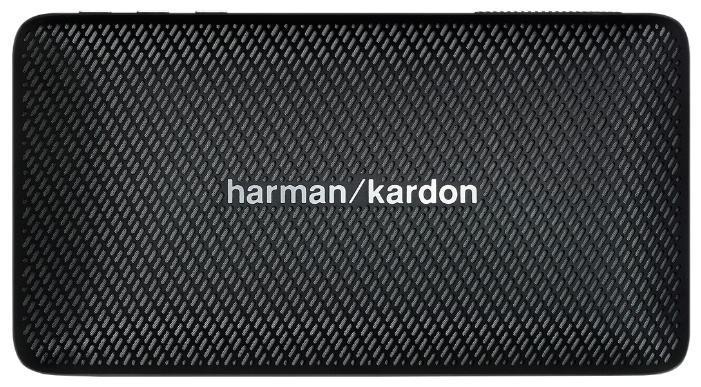 Harman Kardon Esquire Mini, Black портативная акустическая системаHKESQUIREMINIBLKEUУникальный дизайн. Превосходный звук. БескомпромиссноHarman Kardon Esquire Mini воплощает изысканность и мобильность в элегантном алюминиевом корпусе с отделкой из натуральной кожи. В дизайне сделан акцент на знаменитый знак «/», используемый в логотипе премиального бренда: его повторяет узор на керамическом гриле и хромированная вставка на обратной стороне, которая также может служить подставкой. Использование материалов наивысшего качества по праву позволяет считать Esquire Mini престижным аксессуаром путешественника. Узнаваемый стереозвук Harman Kardon обеспечивают два высококачественных динамика номинальной мощностью 4 Вт каждый, с диапазоном воспроизводимых частот от 180 Гц до 20 кГц. Фазоинвертор увеличивает интенсивность низких частот. По глубине, мощности и чистоте воспроизведения это сверхкомпактное устройство претендует на лучший звук в своем классеНесмотря на небольшие размеры корпуса, новинка удивляет широким функционалом. Благодаря интерфейсу Bluetooth, двум встроенным микрофонам и фирменной системе шумо- и эхоподавления SoundClear, Esquire Mini является отличным решением не только для прослушивания музыки, но и для организации конференц-связи.Элегантная и портативная акустическая системаНатуральная кожа, полированный алюминий, керамика - все это чтобы создать шедевр в мире портативности. Это аксессуар, который способен говорить сам за себя - в буквальном смысле.Тонкий корпусHarman Kardon Esquire Mini является одновременно тонким и прочным. Акустическую систему очень удобно брать с собой в путешествия или поездки. Благодаря тонкому корпусу Esquire Mini поместится в любую сумочку или карман.Беспроводной звук высочайшего качества от Harman KardonHarman Kardon Esquire Mini предлагает наилучшее качество звука в своей категории. Мощный звук в компактном корпусе? Это как раз то, чем славится Harman Kardon.Поддержка беспроводной технологии BluetoothСлушайте музыку без проводов.