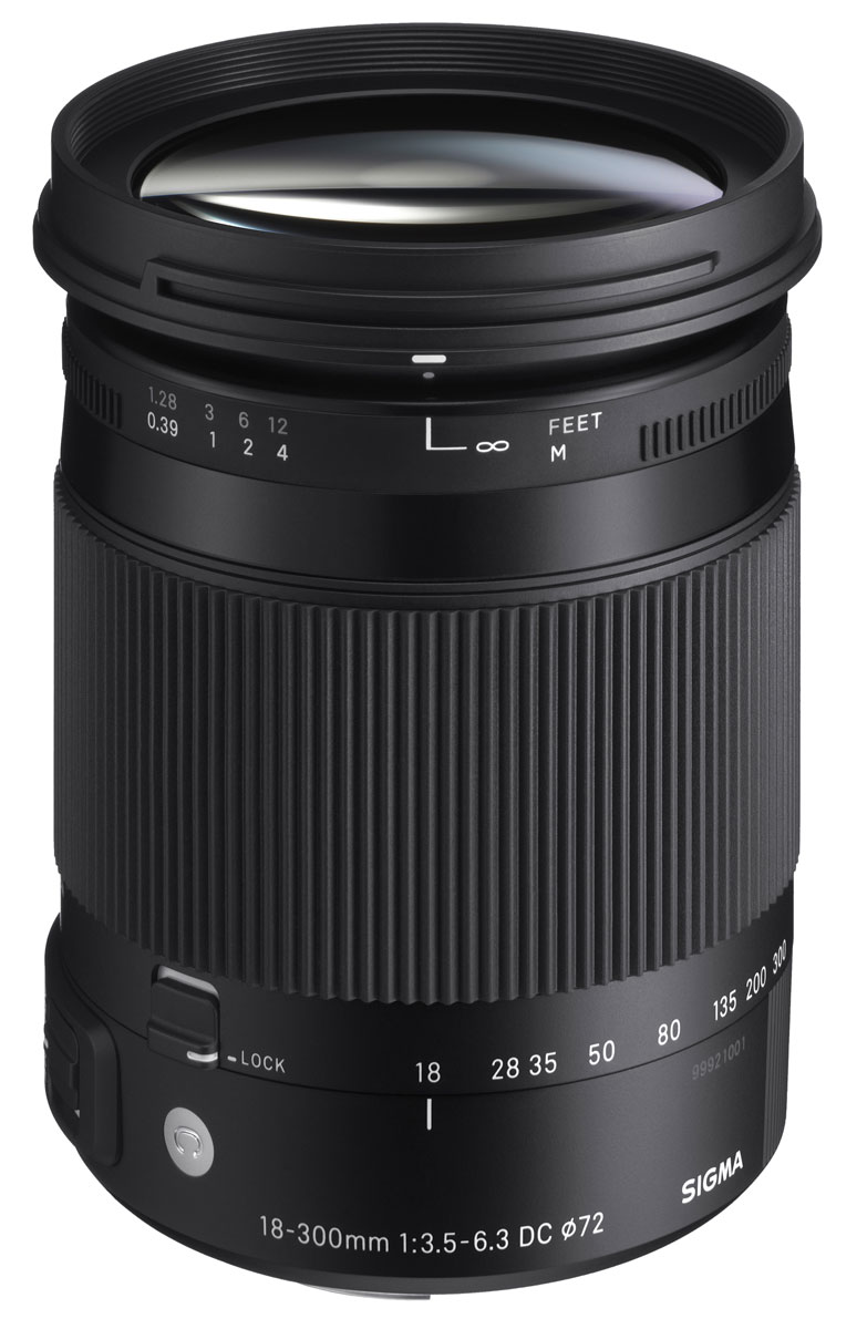 Sigma AF 18-300mm F3.5-6.3 DC MACRO OS HSM/C объектив для Canon886954Зум-объектив Sigma 18-300mm F/3.5-6.3 DC Macro OS HSM / Contemporary предназначен для камер с матрицей APS-C и великолепно отражает концепцию своей линейки. Он создан специально для фотографов, которые используют DSLR-камеры с датчиком APS-C и хотят иметь один объектив для решения широкого спектра съемочных задач. Так, объектив отличают компактность, универсальность и качество. Sigma 18-300mm F/3.5-6.3 DC Macro OS HSM/C оснащен улучшенной системой оптической стабилизации важной при съемке на высоких значениях зума. Минимальное расстояние, необходимое для фокусировки - 39 сантиметров, что вкупе с покрытием диапазона наиболее распространенного фокусного расстояния (угол обзора 76.5°-5.4°) позволяет фотографу легко работать практически с любым сюжетом. Также благодаря этому объектив подходит для макрофотографии. Конструкция модели насчитывает 17 элементов в 13 группах, включая 4 FLD стекла и 1 SLD стекло. 7-ми лепестковая диафрагма обеспечивает красивое боке.