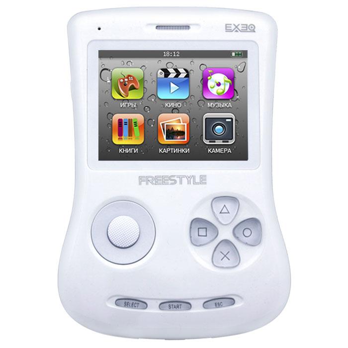 Игровая консоль EXEQ FreeStyle 2,7 (белая)MP-1002_белыйExeq Freestyle - это игровая приставка с богатыми мультимедийными возможностями, позволяющая играть в игры таких форматов, как NES (Dendy), SMD (Mega Drive) и GBA (GameBoy Advance), просматривать фильмы, слушать музыку, радио, читать книги. Оригинальная и стильная форма корпуса, воплощенная в качественном глянцевом пластике, яркий цветной экран, встроенная камера, AV-выход и многие другие приятные особенности приставки не оставят равнодушным к ней ни детей, ни взрослых.Неповторимый дизайн и яркие цвета.Exeq Freestyle - портативная игровая консоль с уникальным дизайном корпуса. В отличие от большинства современных портативных консолей Exeq Freestyle имеет вертикальное расположение - дисплей консоли расположен в верхней части корпуса, а все элементы управления в нижней - под экраном. Удачно дополняет дизайн приставки плавная обтекаемая форма, закругленные кнопки, и глянцевая поверхность. Также на выбор предлагается 8 вариантов цветового исполнения корпуса: белый, черный, синий, красный, желтый, розовый, фиолетовый, зеленый. Яркие цвета приставок удачно дополняет перламутровый эффект.Игровая составляющая.Exeq Freestyle поддерживает игры от Dendy, Sega, Super Nintendo и Game Boy Advance. Консоль отлично воспроизводит двухмерные игры различных жанров, а также трехмерные с улучшенной графикой. В качестве бонуса на приставке уже установлено 700 самых популярных игр каждой из поддерживаемых платформ. Однако при желании Exeq Freestyle легко можно подключить к компьютеру и пополнить коллекцию новыми играми. Для хранения игр приставка имеет 4 Gb встроенной памяти, а также поддерживает карты формата Micro SD.Просмотр видео.Exeq Freestyle оснащен ярким и контрастным дисплеем с диагональю в 2,7 дюйма (68 мм), этого вполне достаточно для просмотра видео, особенно если вы хотите скоротать время в дороге или на отдыхе: компактные размеры консоли позволят удобно разместить ее на ладони во время просмотра. Exeq Freestyle способен 