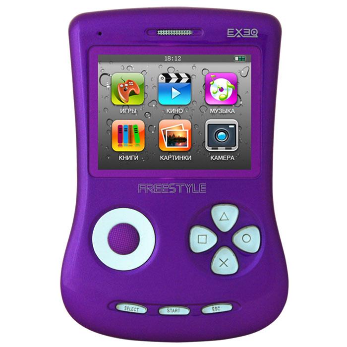 Игровая консоль EXEQ FreeStyle 2,7 (фиолетовая)MP-1002_фиолетовыйExeq Freestyle - это игровая приставка с богатыми мультимедийными возможностями, позволяющая играть в игры таких форматов, как NES (Dendy), SMD (Mega Drive) и GBA (GameBoy Advance), просматривать фильмы, слушать музыку, радио, читать книги. Оригинальная и стильная форма корпуса, воплощенная в качественном глянцевом пластике, яркий цветной экран, встроенная камера, AV-выход и многие другие приятные особенности приставки не оставят равнодушным к ней ни детей, ни взрослых.Неповторимый дизайн и яркие цвета.Exeq Freestyle - портативная игровая консоль с уникальным дизайном корпуса. В отличие от большинства современных портативных консолей Exeq Freestyle имеет вертикальное расположение - дисплей консоли расположен в верхней части корпуса, а все элементы управления в нижней - под экраном. Удачно дополняет дизайн приставки плавная обтекаемая форма, закругленные кнопки, и глянцевая поверхность. Также на выбор предлагается 8 вариантов цветового исполнения корпуса: белый, черный, синий, красный, желтый, розовый, фиолетовый, зеленый. Яркие цвета приставок удачно дополняет перламутровый эффект.Игровая составляющая.Exeq Freestyle поддерживает игры от Dendy, Sega, Super Nintendo и Game Boy Advance. Консоль отлично воспроизводит двухмерные игры различных жанров, а также трехмерные с улучшенной графикой. В качестве бонуса на приставке уже установлено 700 самых популярных игр каждой из поддерживаемых платформ. Однако при желании Exeq Freestyle легко можно подключить к компьютеру и пополнить коллекцию новыми играми. Для хранения игр приставка имеет 4 Gb встроенной памяти, а также поддерживает карты формата Micro SD.Просмотр видео.Exeq Freestyle оснащен ярким и контрастным дисплеем с диагональю в 2,7 дюйма (68 мм), этого вполне достаточно для просмотра видео, особенно если вы хотите скоротать время в дороге или на отдыхе: компактные размеры консоли позволят удобно разместить ее на ладони во время просмотра. Exeq Freestyle