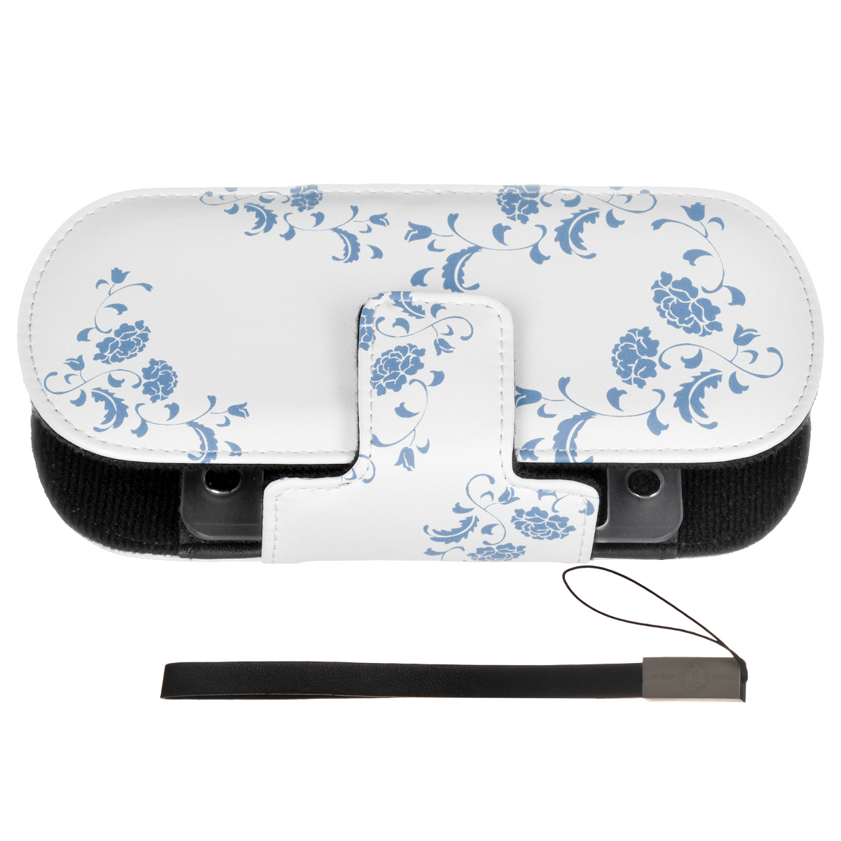 Защитный чехол Free-Style Black Horns для Sony PSP 2000/3000 (N01 Узор бело-голубой)BH-PSP02208(R)Защитный чехол Free-Style Black Horns для Sony PSP 2000/3000 обеспечит сохранность вашей игровой приставки. Оригинальный графический дизайн Free-Style - совершенное сочетание инноваций и традиционного подхода, эффектно подчеркнет вашу индивидуальность. Внутренняя поверхность чехла для PSP выполнена из мягкого текстиля, не царапающего лицевую панель PSP. Специально разработанная для PSP 2000/3000 система внутренних креплений защитит Вашу консоль от потертостей, повреждений и падений. Система внутренних креплений позволяет открыть/закрыть UMD-привод не вынимая приставку из чехла. Специальные крепления внутри чехла надежно фиксируют PSP, обеспечивая свободный доступ ко всем кнопкам управления, USB-порту, Wi-Fi и UMD-приводу. Чехол можно использовать в качестве подставки при просмотре фильмов, картинок или при прослушивании музыки. На задней части чехла расположены два кармашка под карточки памяти. Чехол оснащен удобной и надежной магнитной застежкой, а также стильным и практичным ремешком на руку, выполненным из высококачественных материалов.