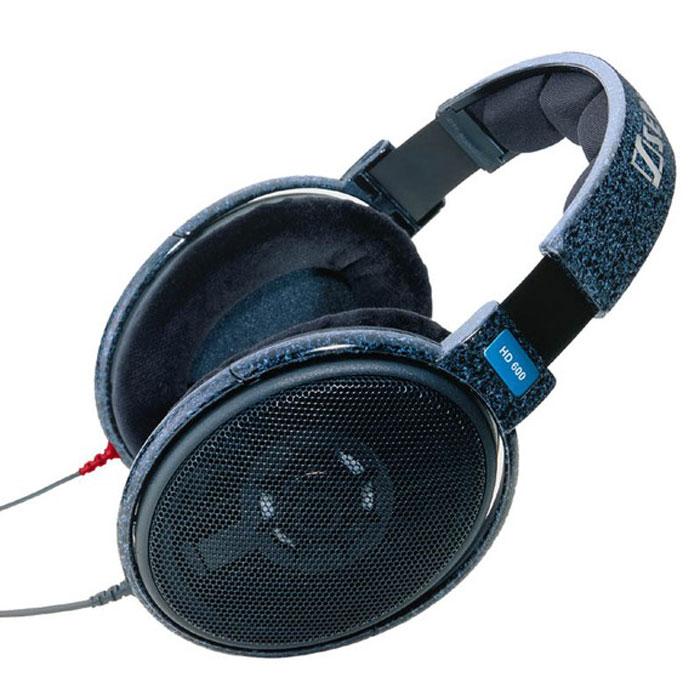 Sennheiser HD 600 наушникиHD 600Наушники-мониторы профессионального качества Sennheiser HD 600, сочетающие в себе высокий уровень звучания и исключительную комфортность. Спроектированные для профессионального использования, эти наушники совместимы и с hi-fi системами с высокой точностью воспроизведения, и с различными портативными устройствами.Открытая конструкция чашек обеспечивает максимально естественный звук. Увеличенная ширина оголовья позволяет равномерно распределить вес наушников и носить их в течение нескольких часов без перерыва, не испытывая при этом никаких неприятных ощущений. Мягкая, эргономичная настраивающаяся лента дужки данной модели способна подстроиться под вашу голову и обеспечить максимально комфортную и стабильную посадку. Оптимизированные компьютером магнитные системы минимизируют гармонику и перекрестные искажения.Чрезвычайно облегченные алюминиевые звуковые катушки гарантируют превосходную характеристику переходного режима. Наушники обладают мембранами, делающими басы более чистыми и глубокими, снижающими искажения звука и значительно улучшающими частотную характеристику. Мощные неодимовые магнитные сердечники, применяемые в данной модели способны фокусировать высокую энергию, повышая тем самым чувствительность наушников, усиливая басы и добиваясь исключительной точности звучания. Шнур из бескислородной меди обладает очень высокой электропроводностью и сводит к минимуму искажения звука при его передаче.