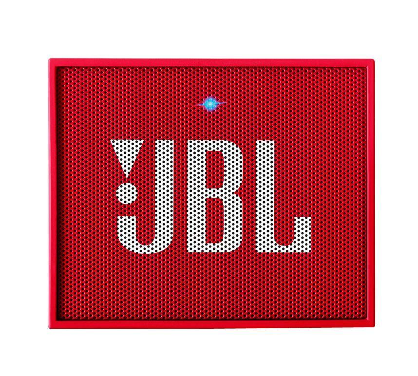 JBL GO, Red портативная акустическая системаJBLGOREDЭтот динамик является удобным решением все-в-одном. Он поддерживает Bluetooth, что позволяет подключать его к любым современным гаджетам, а встроенный аккумулятор подарит вам 5 часов музыки без перерыва. JBL GO также оснащен встроенным микрофоном с технологией шумоподавления, что позволяет вам общаться по телефону по громкой связи. Доступный в 8 ярких расцветках, в прорезиненном корпусе и фирменном стиле JBL, этот портативный динамик подойдет любому, кто любит качественный звук и портативность. GO оснащен креплением, за которое динамик можно прицепить к рюкзаку или одежде. Теперь вы можете никогда не расставаться с любимой музыкой.