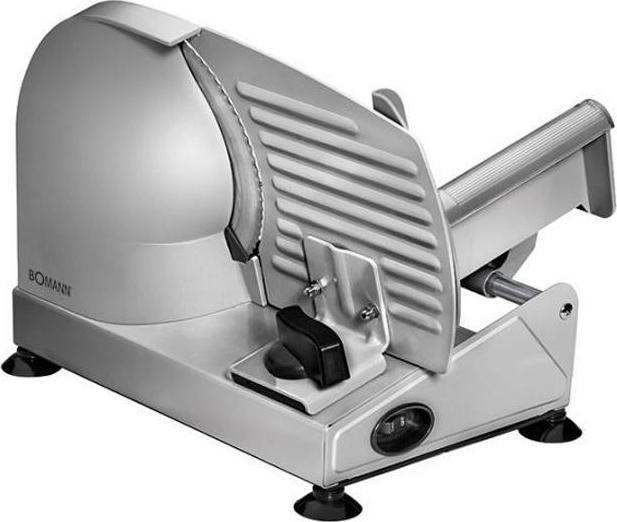 Bomann MA 451 CB, Silver ломтерезкаMA 451 CB silberКомпактная электрическая ломтерезка Bomann MA 451 CB в надежном металлическом корпусе станет незаменимым помощником на вашей кухне. Мощный мотор, плавная регулировка толщины резки, универсальный нож из высококачественной нержавеющей стали и держатель с защитой пальцев от порезов позволяют быстро и качественно нарезать различные виды продуктов ровными ломтиками. Противоскользящие ножки гарантируют высокую устойчивость прибора в процессе работы. Опорный стол-подставка откидывается, обеспечивая комфорт во время чистки устройства.