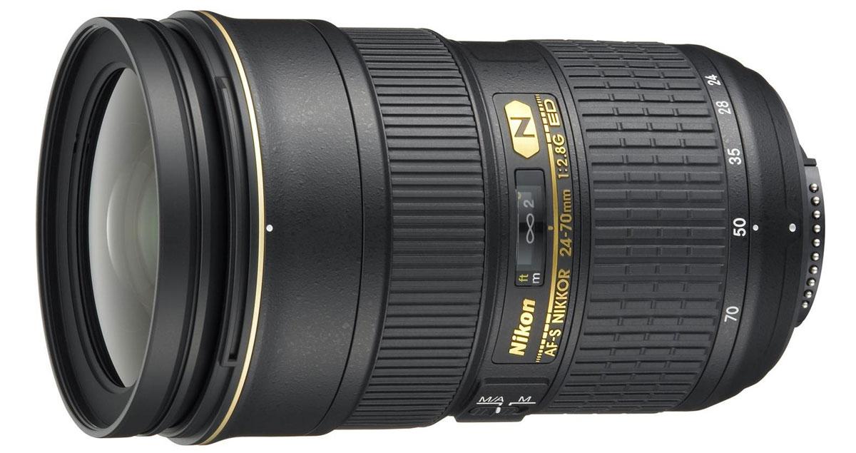 Nikon AF-S Nikkor 24-70mm f/2.8G ED объективJAA802DANikon AF-S Nikkor 24-70mm f/2.8G ED - профессиональный стандартный зум-объектив с быстрой диафрагмой и бесшумным ультразвуковым мотором, обеспечивающим быструю и тихую автофокусировку. Этот объектив, в котором для уменьшения раздвоений и бликов применяется нанокристаллическое покрытие, предназначен для цифровых фотокамер и обеспечивает такую же резкость изображения по всему кадру, как и объективы с постоянным фокусным расстоянием.Данная модель имеет фокусное расстояние 24–70 мм (эквивалент при использовании фотокамеры формата DX: 36–105 мм). Нанокристаллическое покрытие устраняет раздвоения и блики. Тонкая оправа объектива отличается надежностью и малым весом.Бесшумный ультразвуковой мотор (SWM) обеспечивает быструю и тихую автофокусировку. Имеется возможность мгновенной корректировки фокусировки вручную (режим M/A). Стекло со сверхнизкой дисперсией (ED-стекло) минимизирует хроматическую аберрацию. Минимальное расстояние съемки: 0,38 м (при 50 мм). В комплект поставки входят съемная бленда и мягкий чехол.