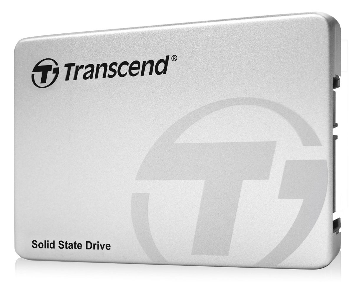Transcend SSD370 (Premium) 1TB, Silver SSD-накопительTS1TSSD370SТвердотельные накопители Transcend SSD370, оснащенные интерфейсом SATA III с пропускной способностью 6 Гбит/с, отличаются высокой скоростью передачи данных, внушительной емкостью (до 1 ТБ), компактными размерами, небольшим весом, отличной вибро- и удароустойчивостью, а также поддержкой энергосберегающего режима DevSleep. И все это означает, что пользователь портативного компьютера, укомплектованного данным накопителем, даже в дороге сможет наслаждаться работой без пауз и задержек.Накопители выполнены в 2,5-дюймовом форм-факторе. При этом, толщина их корпусов составляет всего 7 мм, а вес устройств не превышает скромные 52 г, что делает эти устройства идеальными кандидатами для установки в тонкие и легкие ноутбуки, настольные ПК и наиболее современные ультрабуки.SSD370 поддерживает режим SATA Device Sleep Mode (DevSleep), что помогает увеличить длительность работы портативного ПК от батареи. Новая энергосберегающая функция более эффективна, по сравнению с другими аналогичными мерами, такими как режим ожидания, поскольку позволяет полностью отключить питание интерфейса SATA. Время отклика накопителя составляет менее 100 миллисекунд, так что компьютер будет возобновлять свою работу практически мгновенно.Накопители SSD370 оснащены функциями агрессивного сбора мусора и удаления файлов. Дополнительно увеличить срок службы SSD370 и повысить надежность его работы позволяют встроенные механизмы минимизации износа ячеек памяти и коррекции ошибок Error Correction Code (ECC). Помимо этого, пакет SSD Scope включает в себя программу System Clone, которая делает процесс установки SSD370 в компьютер еще проще и удобнее.Для максимального упрощения монтажа в ПК со всеми накопителями SSD370 поставляется 3,5-дюймовая монтажная скоба. Просто установите и закрепите винтами SSD370 на 3,5-дюймовой монтажной скобе и можете наслаждаться новым уровнем скоростей передачи данных.Поддерживаемые ОС: Windows XP, Vista, 7, 8; Linux Fedo