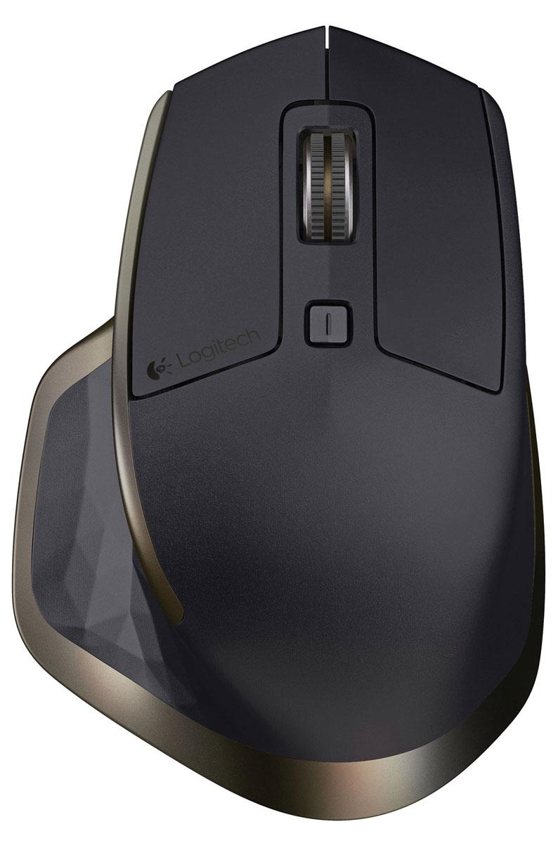 Logitech MX Master беспроводная мышь (910-004362)910-004362Беспроводная мышь Logitech MX Master (910-004362) — это флагманская мышь от Logitech, призванная обеспечить максимальное удобство и точность управления для опытных пользователей. Среди основных преимуществ устройства — эргономичная конструкция, богатый набор функций и великолепный дизайн. Форма мыши создана на основе оригинальной конструкции, идеально повторяющей изгибы ладони. Мышь оптимизирована для Windows и Mac.Мышь MX Master оснащена высокоточным колесиком, которое автоматически переходит из режима пошаговой прокрутки в режим сверхбыстрой прокрутки, уникальным колесиком горизонтальной прокрутки для большого пальца, лазерным датчиком Darkfield для безупречного отслеживания даже на стеклянных поверхностях и перезаряжаемой батареей, одного заряда которой хватает на 40 дней работы. Мышь можно подключить с помощью поставляемого в комплекте приемника Logitech Unifying или с помощью беспроводной технологии Bluetooth Smart.