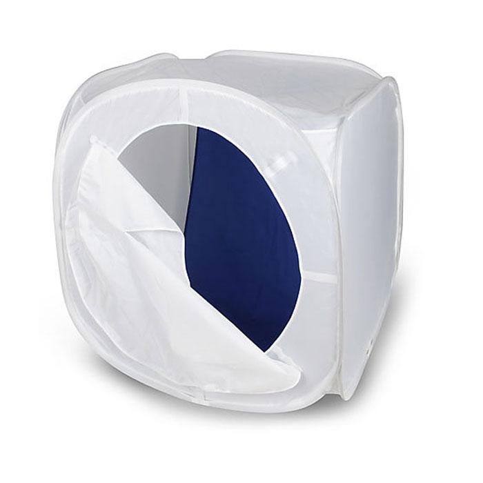 Rekam LCS-75 съемочный короб (75 х 75 х 75 см)LCS-75Rekam LCS-75 - это бестеневой лайт-куб для предметной съемки. Изолируя предмет съемки со всех сторон, лайт-куб позволяет максимально избавиться от нежелательных теней и бликов. Он изготовлен из полупрозрачного материала белого цвета, обладающего жаростойкими свойствами. Самораскладывающаяся конструкция позволяет установить и убрать лайт-куб за считанные секунды. Комплект включает удобный чехол, позволяющий компактно сложить куб, и четыре дополнительных матерчатых фона на липучках - белый, синий, красный и черный.