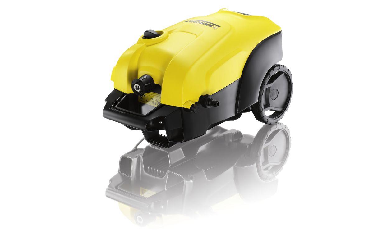 Мойка высокого давления Karcher K 4 Compact, цвет: желтый, черный1.637-310.0Мойка высокого давления Karcher K 4 Compact с двигателем водяного охлаждения – превосходное решение для быстрого устранения загрязнений на фасадах, заборах и транспортных средствах. При малых размерах она обладает высокой производительностью, а две ручки для переноски обеспечивают высокую мобильность и хранение с экономией места. Практичный отсек позволяет размещать принадлежности на корпусе аппарата. Аппарат оснащен встроенной системой всасывания чистящего средства. Высококачественная телескопическая ручка из алюминия устанавливается на удобной для пользователя высоте и задвигается в корпус аппарата для его хранения. Грязевая фреза формирует вращающуюся точечную струю для интенсивной очистки. Трубка Vario Power обеспечивает плавную регулировку давления (от высокого до низкого).Удобные и надежные аппараты высокого давления серии Сompact имеют две ручки для транспортировки, чтобы можно было брать минимойку повсюду. Даже в багажнике автомобиля она не будет занимать много места. Современный двигатель водяного охлаждения впечатляет высокой мощностью и длительным сроком службы. Шланг высокого давления не будет мешаться под ногами, а за счет системы быстрого соединения, время на сборку минимойки существенно сократится.Производительность: 420 л/часДавление: 20 - 130 бар