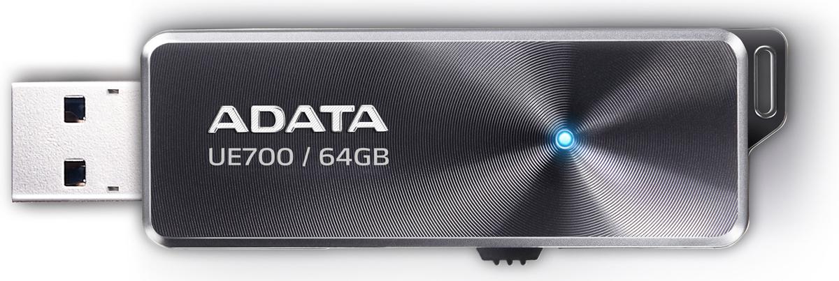 ADATA UE700 64GB, USB-накопительAUE700-64G-CBKUSB флэш-накопитель ADATA DashDrive Elite UE700 сочетает безупречный вкус и высочайшую эффективность интерфейса USB 3.0. Сегодня, когда требования к качеству мультимедийного контента и объемам файлов как никогда высоки, модель UE700 удовлетворит самым жестким требованиям самых взыскательных пользователей. Ее стильный дизайн и тонкий профиль органично дополняют самые передовые технологии, использованные при ее создании.Благодаря высокой пропускной способности интерфейса USB 3.0, флэш-накопитель UE700 реализует невероятные скорости обмена данными: чтение до 220 Мбит/с и запись до 135 Мбит/с. Такие показатели оставляют далеко позади подавляющее большинство USB флэш-накопителей, доступных на рынке сегодня.Симметрия и продуманная изящность линий подчеркивают безупречность стиля, который клиенты привыкли ожидать от ADATA. На матовой алюминиевой поверхности проступают тончайшие концентрические круги, располагающиеся вокруг синего светодиодного индикатора. Выдвижной USB-коннектор обеспечивает высокую скорость и удобство использования, а в нерабочем состоянии остается надежно защищенным внутри корпуса. Встроенное кольцо позволяет легко закрепить устройство на ремешке (поставляется в комплекте) или брелоке для ключей.
