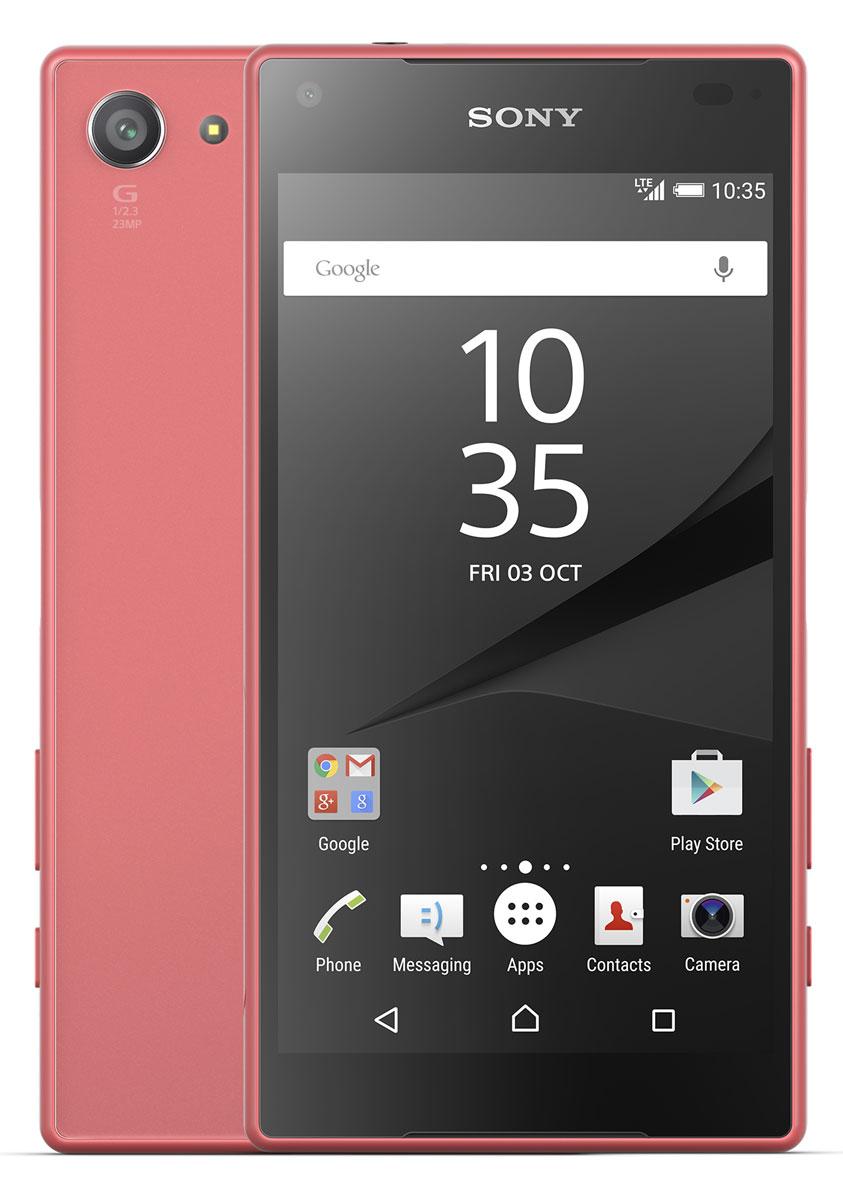 Sony Xperia Z5 Compact, CoralE5823CoralSony Xperia Z5 Compact - не просто функциональный смартфон. Это устройство, которое расширяет ваши возможности и горизонты. По своим функциям он не уступает смартфонам с большими дисплеями, а благодаря компактному размеру его удобнее использовать в повседневной жизни. В нем всё идеально сбалансировано: дизайн, доступный в разных расцветках, инновации, которые позволяют идти в ногу с прогрессом, и комфортный размер дисплея — 4,6 дюйма.Данная модель имеет комфортные для работы компактные размеры, яркий красочный экран и элементы дизайна, которые притягивают взгляды окружающих. Стильное тиснение на рамке и матированное стекло на задней панели никого не оставит равнодушным.С водостойким корпусом Sony вам больше не придется бояться воды Xperia Z5 Compact не боится воды: он имеет водостойкий корпус, способный выдержать погружение на глубину более метра. Поэтому вам нечего беспокоиться, если вы пролили на него жидкость или попали с ним под дождь.Смартфон, который знает своего хозяина В кнопку питания на Xperia Z5 Compact встроен считыватель отпечатков пальцев. Сама кнопка находится на боковой панели смартфона, чтобы вы могли быстро, одним движением разблокировать экран.Со сверхбыстрой автофокусировкой вы никогда не упустите нужного момента Если вы хотите снять друзей в прыжке или запечатлеть чудачества своего домашнего питомца, вам поможет Xperia Z5 Compact. С ним вы сумеете сделать снимок в нужный момент, а не секундой позже. Автофокусировка настолько быстра (0,03 сек.), что может тягаться с цифровыми зеркальными фотокамерами.Одного заряда Xperia Z5 Compact хватает до 2 дней работы. Если этого недостаточно, на помощь придет устройство для быстрой зарядки: уже через 10 минут аккумулятор получит энергию на многие часы работы.Всегда яркие цветаДисплей Xperia Z5 Compact выполнен по технологиям, используемым в телевизорах Sony BRAVIA: он настолько яркий, что даже под солнцем вы сможете всё рассмотреть на его экране.Телефон сертифицирован 