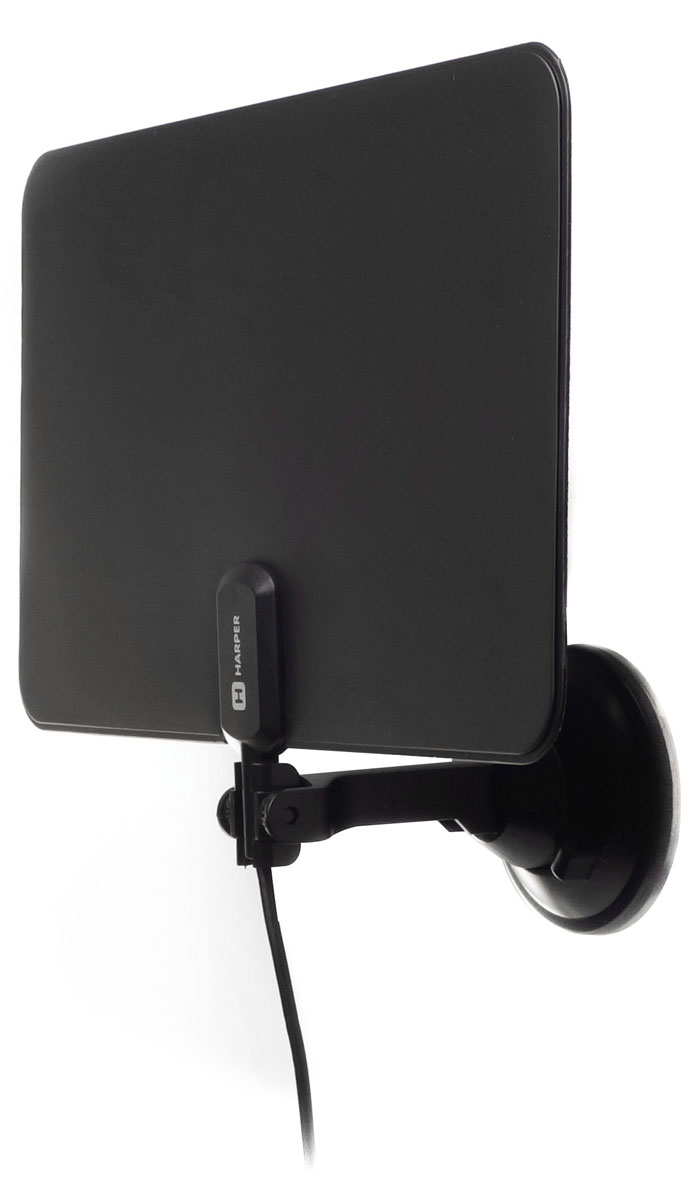 Harper ADVB-2825, Black телевизионная антеннаADVB-2825Harper ADVB-2711W - телевизионная комнатная антенна в компактном ультратонком корпусе со встроенным усилителем сигнала и поддержкой цифрового ТВ, а именно стандарта DVB-T2. Антенна легко монтируется на окно и обеспечивает уверенный прием телесигнала.
