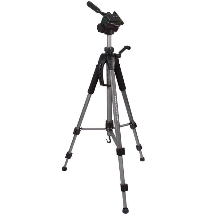 Rekam MaxiPod RT-M49G штатив1212001800Rekam MaxiPod RT-M49G – универсальный, 3-секционный штатив из серии MaxiPod. Устойчивая, 3-секционная конструкция выдерживает нагрузку до 4 кг. Благодаря многогранному сечению ног штатив обладает дополнительным запасом прочности. Панорамная 3D голова обеспечивает плавное, равномерное перемещение камеры в трех плоскостях, и может использоваться для видеосъемки. Конструкция головы позволяет поворачивать камеру для съемки вертикальных кадров. Управление головой осуществляется при помощи ручки.Конструкция с реечными растяжками помогает быстро разложить штатив в ровном положении. Два жидкостных уровня, - для горизонтального и вертикального выравнивания, расположены на голове и на основании треноги. Быстросъемная площадка надежно фиксируется и позволяет оперативно устанавливать и снимать камеру. Высота ног Rekam MaxiPod RT-M49G фиксируется при помощи удобных клипсовых зажимов. Для оперативной регулировки высоты центральная колонна оснащена обжимным замком-фиксатором. Реечный микролифт с фиксатором и ручкой позволяет осуществлять особо точную и плавную регулировку высоты штатива. Для придания большей устойчивости, центральная колонна штатива оснащена крюком для подвеса груза.Удобный захват обеспечивают специальные мягкие накладки (муфты) на верхних секциях ног. В холодное время года муфты защищают руки от контакта с холодным металлом. Центральная колонна оснащена ручкой для переноски штатива. Сумка в комплекте.Индивидуальная регулировка высоты ногНезависимый угол наклона ногиСечение ноги: прямоугольноеМягкие муфтыРеечный подъемник с фиксатором (с ручкой)Наконечники опор: шаровые (адаптационные)+резиновые насадки