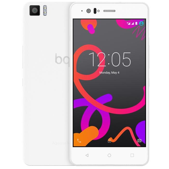 BQ Aquaris M5.5 16+3GB, WhiteC000081Производительный смартфон BQ Aquaris M5.5 оснащен 8-ядерным процессором Qualcomm Snapdragon 615 с частотой 1.5 ГГц. Он работает под управлением Android 5.1 Lollipop и поддерживает высокоскоростной стандарт сотовой связи 4G. Два слота для micro-SIM карт позволяют пользоваться услугами двух разных операторов мобильной связи.Отклик на нажатие был улучшен благодаря сенсору Atmel maXTouch, который увеличивает чувствительность экрана и позволяет без каких-либо помех пользоваться телефоном в перчатках или во влажных условиях. Также этот сенсор может распознавать до 10 одновременных точек нажатия. Использование технологии Quantum Color + позволило достигнуть отличных показателей цветового спектра (почти 90% NTSC). Сам экран покрыт трехслойным покрытием GFF (Glass-Film-Film) с защитным слоем Dragontrail.Фронтальная камера 5 Мпикс с углом обзора 85° и вспышкой позволяет снимать отличные селфи. Основная камера разрешением 13 Мпикс имеет диафрагму f/2.0 и двойную вспышку, что дает вам возможность делать качественные снимки даже при плохом освещении. Вы также можете снимать видео Full HD или в замедленном режиме.Превосходное качество аудио обеспечивается технологией трехмерного звучания Dolby Atmos. Звук обрабатывается с помощью специальных алгоритмов для создания окружающего эффекта. Для улучшения разговоров по телефону была также добавлена система подавления шума с дополнительным микрофоном.Смартфон BQ Aquaris M5 оснащен технологией NFC (Near Field Communication), которая позволяет двум мобильным устройствам, находящимся близко друг от друга, взаимодействовать между собой и обмениваться данными. Вы также сможете пользоваться системами оплаты, использующими протокол HCE (Host Card Emulation).Операционная система Android Lollipop предоставляет пользователям интуитивный интерфейс. Вы можете управлять и настраивать уведомления или даже просматривать их на заблокированном экране. Сюда также входит новый режим безопасности Smart Lock. Полная интег