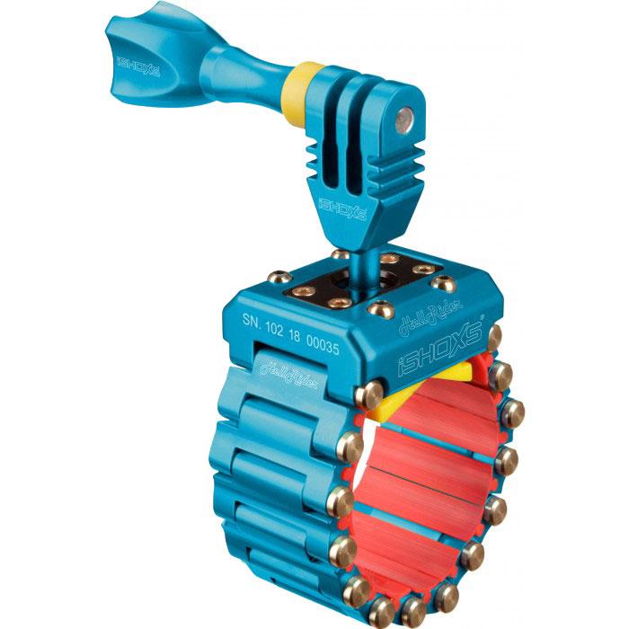 iSHOXS HellRider, Blue крепление для экшн-камеры на профили 20-42 ммIMP1504iSHOXS HellRider - это профессиональное крепление предназначенное специально для камер GoPro, Rollei, Isaw или iSHOXS Actioncams. При помощи дополнительных аксессуаров с 1/4 дюймовой винтовой резьбой крепление может быть использовано для установки навигационных устройств и смартфонов. Изготовленное из высокотехнологичного сплава, алюминий в сочетании с магнием и кремнием, iSHOXS HellRider не подвержен воздействиям агрессивной среды и является идеальным для использования в экстремальных условиях. iSHOXS HellRider собирается вручную на собственном производстве в Германии в городе Мёнхенгладбах. Крепление имеет международные патенты на отдельные элементы конструкции и является лауреатом одного из международных конкурсов дизайна. Крепление для экшн камер iSHOXS HellRider эффективно поглощает вибрацию и удары, обладает очень малым весом и компактными размерами, крепко и неподвижно держится на сцепляемой поверхности и является лучшим выбором для использования с экшн камерами GoPro при съёмках в экстремальных условиях.