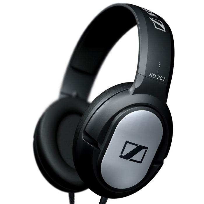 Sennheiser HD 201 наушникиHD 201Sennheiser HD 201 - это исключительно прочные закрытые динамические стереонаушники для любителей музыки. Легкие и комфортные наушники обеспечивают хорошую защиту от внешних шумов, мощный стереозвук и богатые, отчетливые низкие частоты.Мощная звукопередачаСочные, отчетливые низкие частотыМалый вес и высокая комфортностьНадежная защита от внешних шумовИсключительная прочностьВысококачественные амбушюры из искусственной кожиПозолоченный разъем джек 3,5 мм, адаптер-переходник на джек 6,3 мм