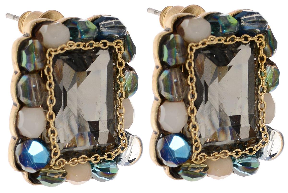 Серьги Fashion House, цвет: серый, золотой, синий. FH31905Пуссеты (гвоздики)Оригинальные серьги Fashion House выполнены из ювелирного сплава и дополнены вставками с сверкающими кристаллами из стекла.Изделие оснащено практичным замком-гвоздиком, который надежно зафиксирует серьги с помощью металлического фиксатора.Изящные серьги придадут вашему образу изюминку, подчеркнут красоту и изящество вечернего платья или преобразят повседневный наряд.