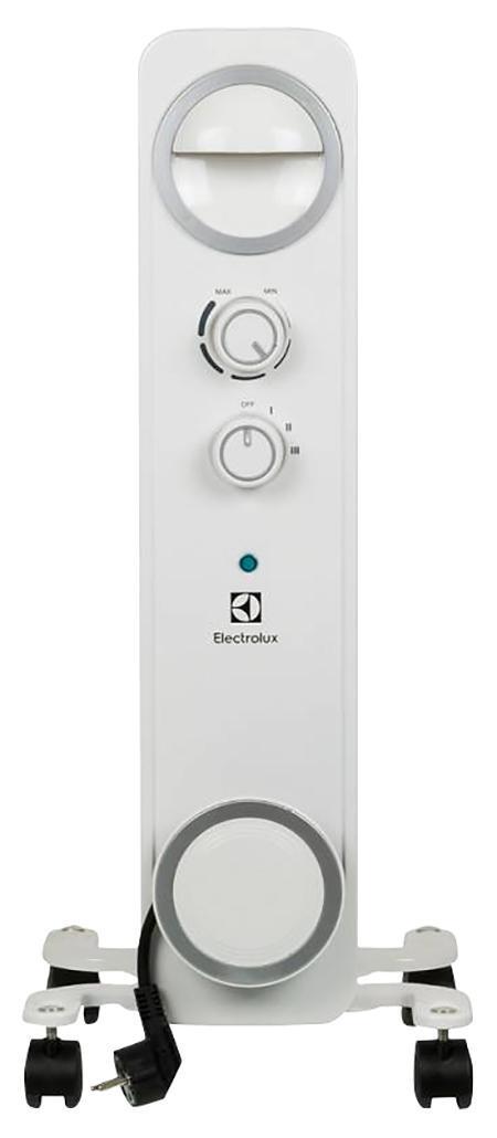 Electrolux EOH/M-6209 обогреватель масляныйEOH/M-6209Быстрый нагрев воздухаВ масляном радиаторе Electrolux Sphereиспользуется 2U-образный нагревательный элемент, благодаря которомупомещение нагревается в два раза быстрее. Технология SpeedHeating обеспечивает быстрый выход на заданную температуру - оченьскоро после включения прибора в комнате станет тепло.Надежность ибезопасностьРадиатор Electrolux Sphere изготовлен из экологическичистых материалов и оснащен многоуровневой системойбезопасности: трехшаговой защитой от перегрева, антикоррозийной обработкойшнура и технологией Low Carbon Steel, придающей приборуустойчивость к ударам и механическим повреждениям. Радиатор практическибесшумно работает, а благодаря ручке и роликам его легко перемещать.