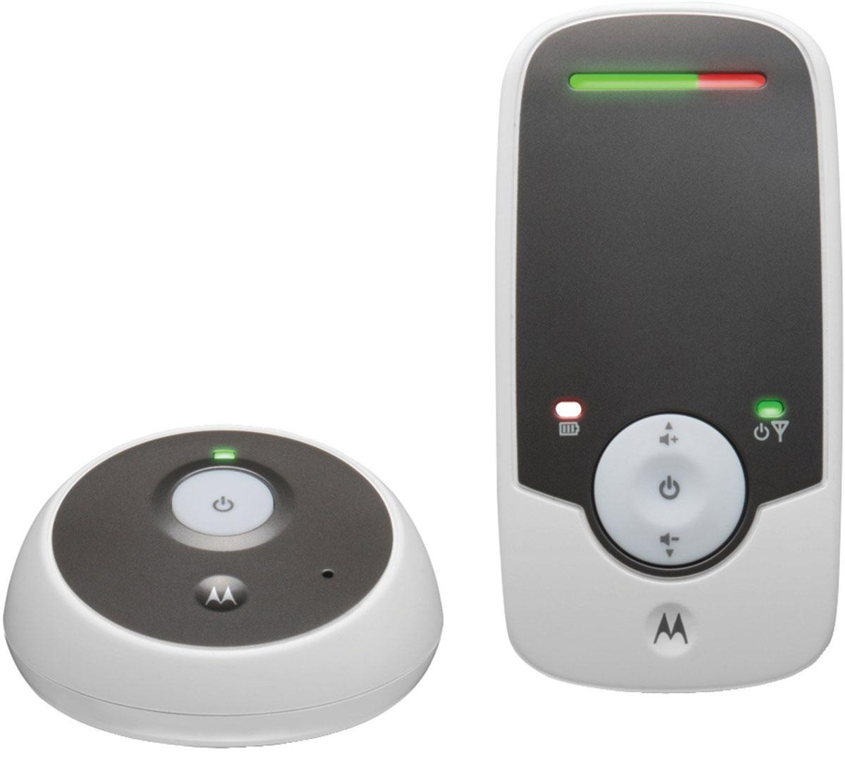 Радионяня Motorola МВР160 представляет собой беспроводное устройство наблюдения за ребенком, которое является прекрасным помощником для родителей. Данная модель специально разработана для удобства родителей и оснащена такими функциями как высокочувствительный микрофон, световые индикаторы уровня звука, сигнал о выходе из зоны действия сети. Радиус действия устройства составляет около 300 метров. Подставка (родительский модуль) работает от аккумуляторной батареи 2.4 V, 400 мАч) Детский модуль работает от сети.