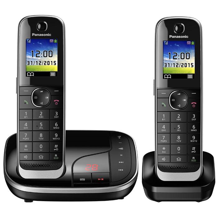 Panasonic KX-TGJ322RUB DECT-телефонKX-TGJ322RUBPanasonic KX-TGJ322RUB - цифровой беспроводной телефон c автоответчиком и двумя трубками. Серебристая рамка и глянцевая поверхность корпуса придают устройству роскошный вид. Увеличенная емкость батареи обеспечивает максимальную продолжительность работы в режиме разговора в течение 15 часов, поэтому вы сможете говорить дольше. Кроме того, в режиме ожидания трубка может находиться вне базы без подзарядки в течение 10 дней.В случае отключения электричества питание базового блока осуществляется от аккумулятора трубки. Отсутствие электричества не сможет помешать вам сделать важные звонки.Вы можете заблокировать любой выбранный номер, а также любые последовательности чисел (от 2 до 8 цифр), совпадающие с номерами, внесенными в черный список. Канал связи между беспроводной трубкой и базовым блоком зашифрован, а ключ шифрования периодически меняется для поддержания высокого уровня безопасности.Беспроводная трубка передает информацию о звонящем с помощью голоса, поэтому узнать, кто звонит, можно не подходя к базовому блоку, чтобы посмотреть на экран. Это удобно, поскольку сразу можно понять, кому нужно подойти к телефону.Автоответчик с расширенными функциямиПолучайте сообщения с автоответчика будучи как внутри, так и вне дома. Базовый блок может известить с помощью звука о записи нового сообщения на автоответчик. Если вы не дома, базовый блок может отправить вам извещение, позвонив на внесенный в него номер мобильного или офисного телефона. Функция подавления шума и большой динамик обеспечивают четкое воспроизведение записанных сообщений.Телефон можно запрограммировать на беззвучный режим в течение заданных промежутков времени. Однако имеется возможность включения звука для выбранных абонентов, для чего в телефонной книге их нужно внести в отдельную группу контактов.Интеллектуальная функция удаленного присмотра за ребенкомПри улавливании звука детская трубка автоматически позвонит на родительскую трубку. Находясь в другой комнат