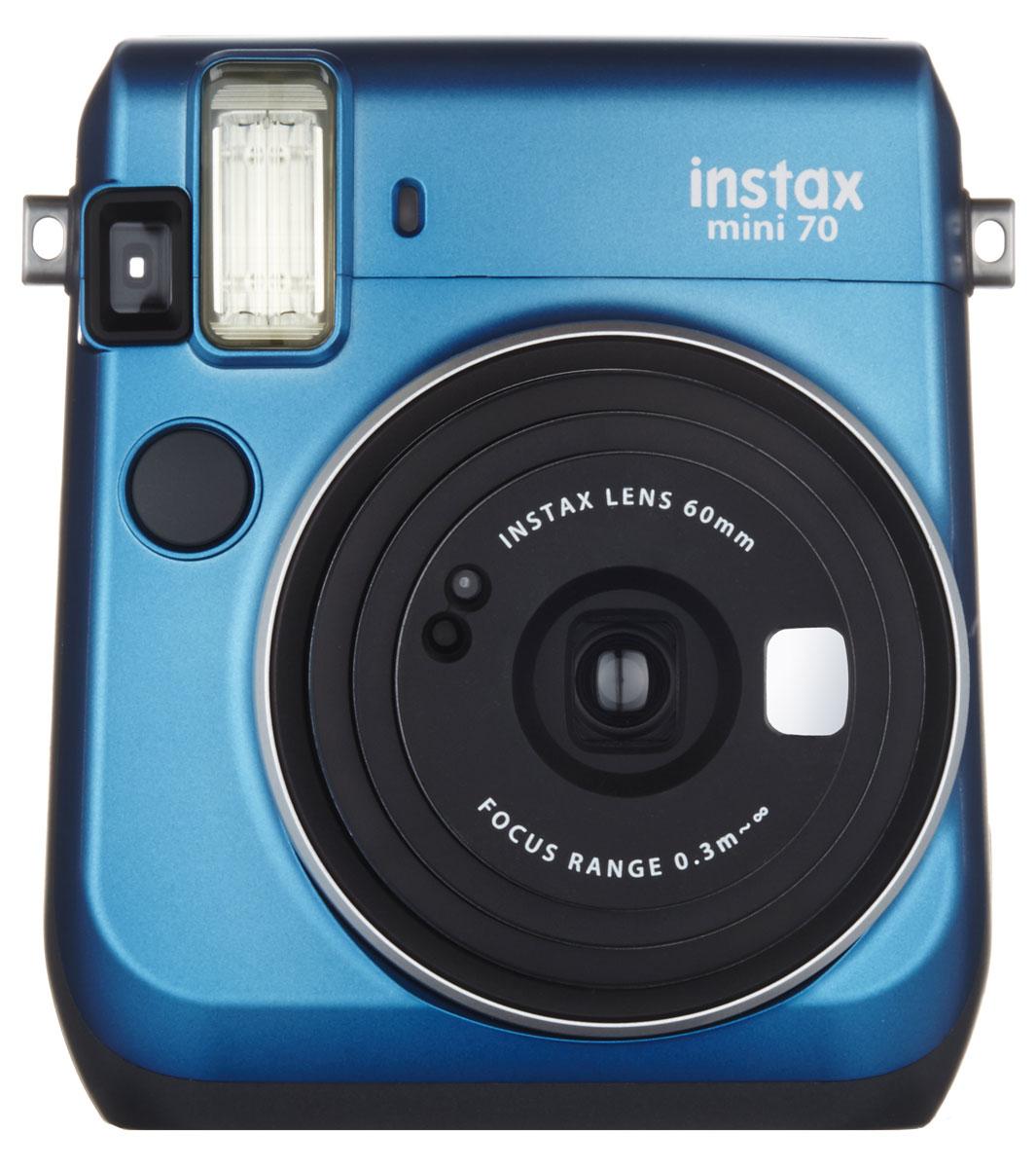 Fujifilm Instax Mini 70, Blue фотокамера мгновенной печатиINSTAX MINI 70С камерой Fujifilm Instax Mini 70 вы превратите серые будни в особенные дни, наполненные улыбками. Чтобы проводить время весело, всегда и везде берите с собой этот стильный фотоаппарат.Главной особенностью камеры является функция автоматического контроля экспозиции, которая позволяет запечатлеть, как объект съемки, так и фон в их естественной освещенности. Помимо этого Instax Mini 70 может похвастаться отдельным режимом съемки для создания cелфи.Использование режима selfie обеспечивает оптимальную яркость и расстояние для съемки автопортретов. Вы также можете проверить кадрирование в специальном зеркальце рядом с объективом.Высокопроизводительная вспышка автоматически определяет яркость окружающего освещения и устанавливает оптимальную выдержку - специальные настройки не требуются!С помощью функции Hi-Key можно запечатлеть яркие, красивые тона кожи. Также имеются режимы для съемки макро и пейзажей. Для максимального удобства также предусмотрена заполняющая вспышка и стандартное штативное гнездо.Используемая фотопленка: Fujifilm Instax MiniРазмер фотографии: 62 х 46 ммУправление экспозицией: автоматическоеКоррекция экспозиции: ±2/3 EVПитание: CR2/DL CR2 х 2Ресурс батарей: 30 упаковок фотобумаги (по результатам исследований Fujifilm)