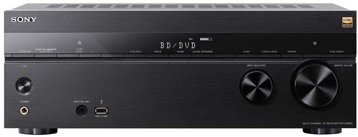 Sony STR-DN860 AV-ресивер для домашнего кинотеатраSTRDN860.CEL7.2-канальный AV-ресивер Sony STR-DN860 предназначен для домашнего кинотеатра с мультирум-системой. Перейдите на новый уровень домашних развлечений! Вы можете быть полностью увлечены просмотром голливудского блокбастера или захвачены прослушиванием любимой музыки в невероятном качестве форматах аудио высокого разрешения — во всем вы сможете оценить мощь и качество.Ощутите себя в помещении, наполненном объемным звучанием 7 аудиоканалов и 2 сабвуферов с выходной мощностью 165 Вт RMS на канал. Превосходное качество изображение и детализация достригается благодаря поддержке 4K-видео и технологии повышения разрешения в сочетании с 6 входами и 2 выходами HDMI для подключения дополнительного аудио- и видеооборудования.Передавайте музыкальные и видеофайлы на ваш ресивер с помощью технологии NFC One-touch, по Bluetooth и Wi-Fi или подключите устройство USB для воспроизведения музыки. Поддержка ресивером Sony STR-DN860 стандарта HDCP 2.2 для потоковых сервисов в 4K и возможности проводного подключения MHL 3.0 для просмотра контента в 4K со смартфона на большом экране телевизора позволяют с легкостью расширить возможности домашних развлечений в формате 4K.Ресивер Sony STR-DN860 поддерживает воспроизведение видео в формате 4K Ultra HD, обеспечивая в четыре раза больше деталей, чем в Full HD. При подключении к телевизору 4K передовые технологии обработки видеоданных повысят разрешение видео низкого качества почти до разрешения 4K Ultra HD. Будь то фильм и музыка, с поддержкой протокола HDCP 2.2 вы будете готовы к новому поколению контента в 4K премиум-класса с расширенной поддержкой защиты авторских прав.Подключите устройство Xperia или другой смартфон с поддержкой передовых функций прямо на фронтальной панели ресивера и дублируйте фотографии и видеоролики с экрана смартфона на телевизор в разрешении 4К, пока ваш телефон заряжается. 7.2-канальный AV-ресивер Sony STR-DN860 создает динамичное объемное звучание, а технол