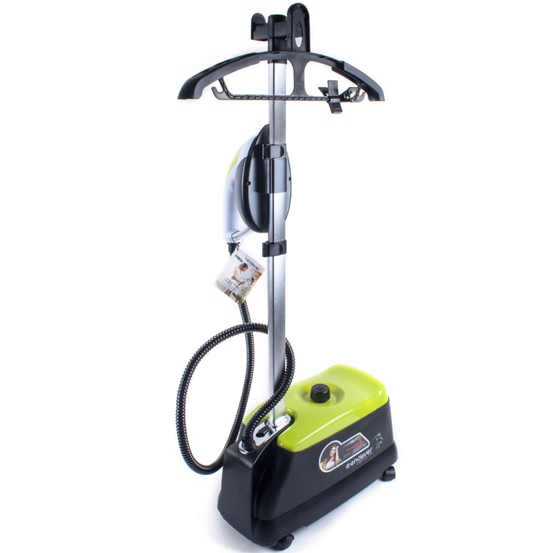 Endever Odyssey Q-915 Pro отпаривательQ-915PROFESSIONAL STEAMER ODYSSEY Q-915 предназначен для вертикального и горизонтального отпаривания, глажения, очистки, дезинфекции одежды и других предметов домашнего обихода. Применяется для вещей из хлопка, шелка, капрона, нейлона, полиэстера, драпа, меха, кожи. Облегчает удаление пятен. загрязнений. Прекрасно справляется с очисткой мягкой мебели, пропариванием подушек, матрасов, перин, мягких игрушек. предметов домашнего обихода. Отпариватель удобен в использовании, легко разбирается, прост в уходе и обслуживании. Легкий, компактный, маневренный! Абсолютно безопасен! Оснащен паровым утюжком с опцией выбора температуры.