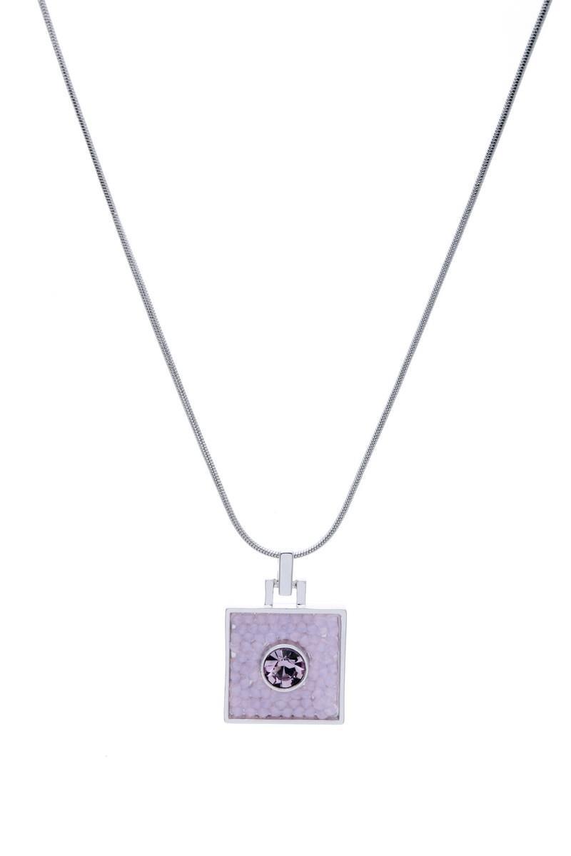Кулон Jenavi Майлон, цвет: серебряный, светло-розовый. j938f91039890|Колье (короткие одноярусные бусы)Оригинальный кулон Jenavi Майлон, изготовленный из гипоаллергенного материала, представляет собой тонкий жгут-цепочку из ювелирного сплава с антиаллергическим покрытием серебром с родием, который дополнен стильным декоративным элементом квадратной формы, инкрустированным кристаллами Swarowski. Кулон застегивается на карабин и оснащен цепочкой для регулирования размера.Такой оригинальный кулон не оставит равнодушной ни одну любительницу изысканных и необычных украшений, а также позволит с легкостью воплотить самую смелую фантазию и создать собственный, неповторимый образ.Для того, чтобы украшение сохранило первозданный блеск, рекомендуется избегать взаимодействия с водой и химическими средствами.