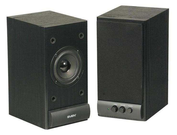 Sven SPS-609, BlackSPS-609 BlackSVEN SPS-609 – является представителем линейки экономичной акустики 2.0, созданной компанией SVEN в качестве антикризисного решения вопроса прослушивания музыки, просмотра фильмов и звукового сопровождения компьютерных игр – удобно и без ущерба для бюджета.SPS-609 – вторая по цене в линейке деревянной акустики SVEN, отличающаяся от своей предшественницы – SVEN SPS-607 – увеличенной мощностью и размерами. Увеличенный ход катушки динамиков позволяет воспроизводить звук практически без искажения. Главное же преимущество остается неизменным: сочетание простоты в использовании, легкости в управлении и невысокой стоимости.Регуляторы уровня громкости и тембра ВЧ расположены на передней панели корпуса, также как и выключатель питания. Это очень удобно, так как все настройки находятся под рукой. На задней стенке расположены разъемы для подключения различных источников аудиосигнала: ПК, DVD/CD/MP3-плееров.