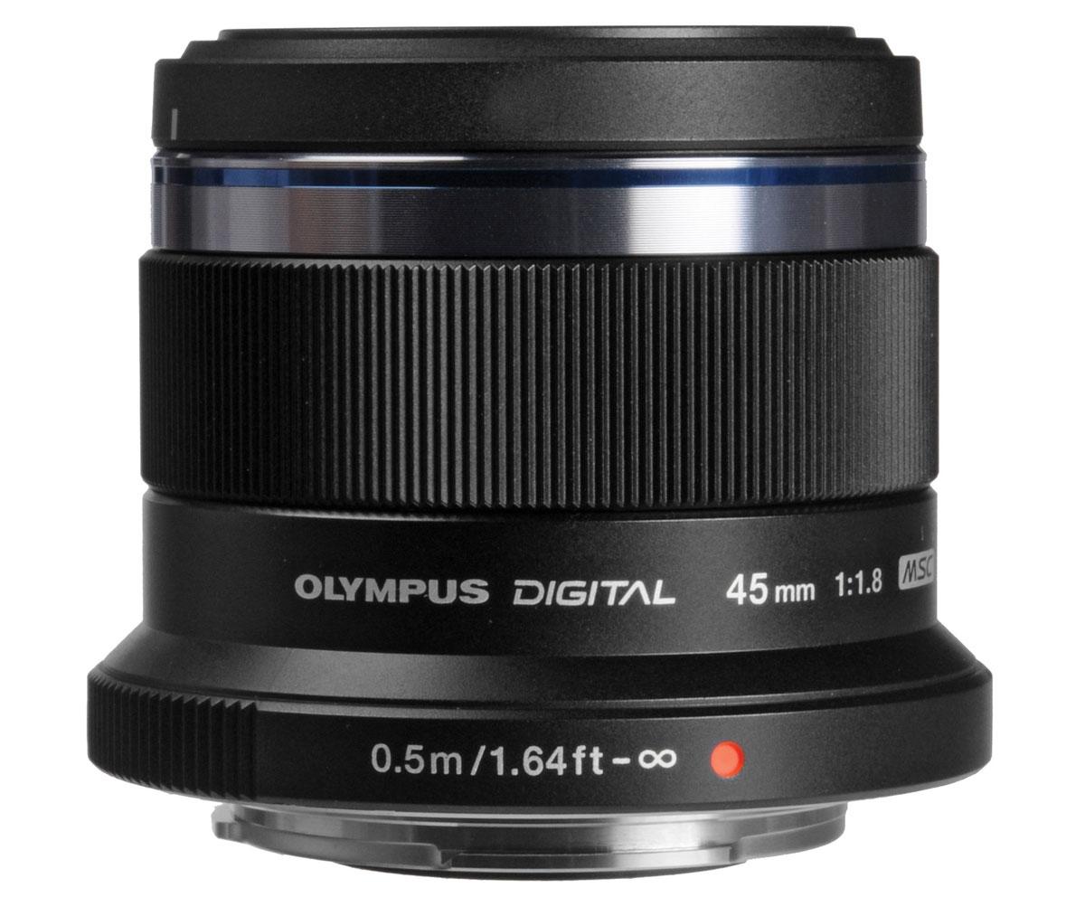 Olympus M.Zuiko Digital 45mm f/1.8, Black объективV311030BE000Благодаря красивому дизайну и привлекательной цене, объектив Olympus M.Zuiko Digital 45mm f/1.8 станет настоящей находкой для любого фотолюбителя. Высокая светосила делает его идеальным выбором для съемки портретов с красивым размытием фона и насыщенными цветами. Этот объектив также отлично подойдет и для съемки видео. Внешний вид новинки также на высоте. Декоративное кольцо отлично дополнит дизайн вашей камеры.Особенности:Сменное декоративное кольцоВысокоскоростной автофокус с технологией MSCВысокая светосила для управления глубиной резкостиТонкий корпус с металлической отделкойИдеально для портретной съемки