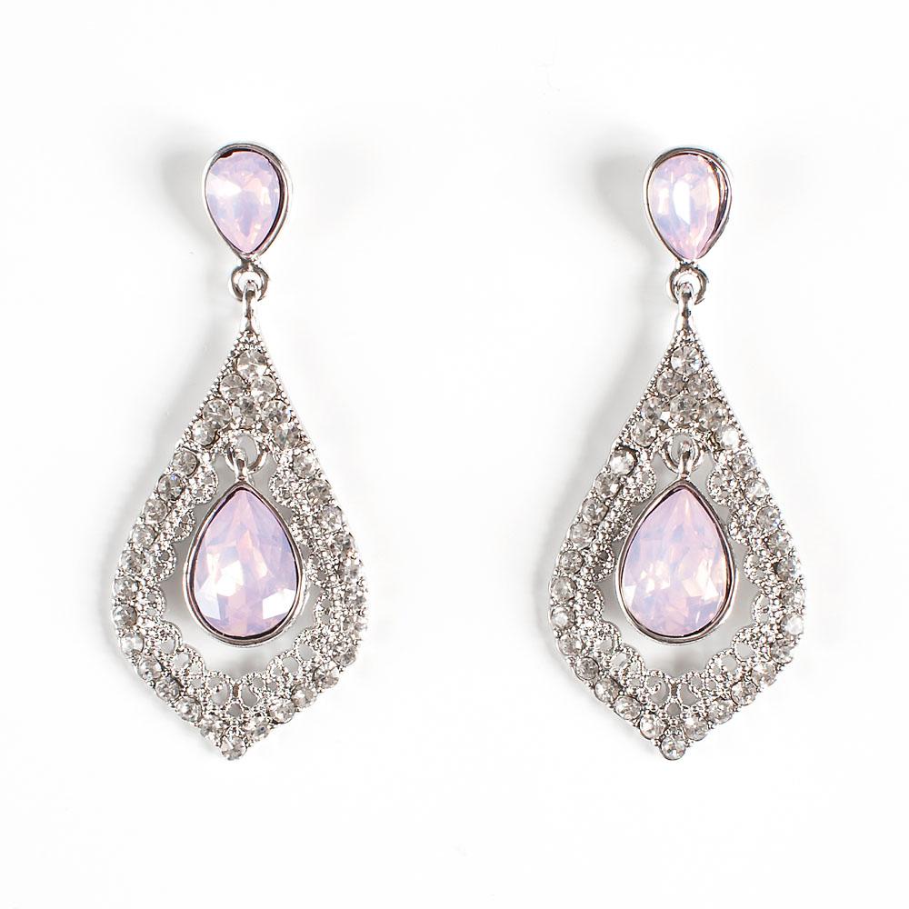 Серьги Selena Brilliance, цвет: серебристый, светло-розовый. 20088580Серьги с подвескамиРоскошные серьги Selena Brilliance выполнены из металла с родиевым покрытием. Серьги инкрустированы кристаллами Preciosa. Застегиваются серьги на замок-гвоздик с заглушками. Такие серьги позволят вам с легкостью воплотить самую смелую фантазию и создать собственный, неповторимый образ.