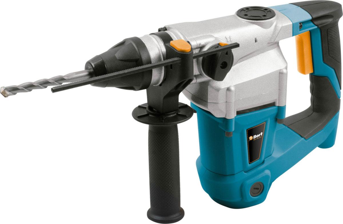 Перфоратор BHD-1000-TURBO98296594Перфоратор Bort BHD-1000-TURBO – мощный инструмент для сверления и долбления. Он имеет 3 режима работы (сверление, сверление с ударом и долбление), что делает его универсальным и значительно облегчает работу в некоторых ситуациях. Одна из особенностей модели – мощный двигатель на 800 Вт. Благодаря ему, энергия удара составляет 3,5 Дж и вы можете сверлить отверстия диаметром до 26 мм в бетоне, до 13 мм в металле и до 40 мм в дереве! Вертикальная компоновка сильно увеличивает надежность и выносливость инструмента. Специально для удобства продолжительных работ рукоятка имеет резиновую накладку. Кроме того, в комплекте идет боковая рукоятка и глубиномер. Инструмент продается вместе с кейсом для хранения и транспортировки.Функциональные особенности: мощный двигатель ;3 режима работы ;функция реверса ;рукоятка с эластичной накладкой Конструктивные особенности: боковая рукоятка ;глубинометр ;буры по бетону ;кейс