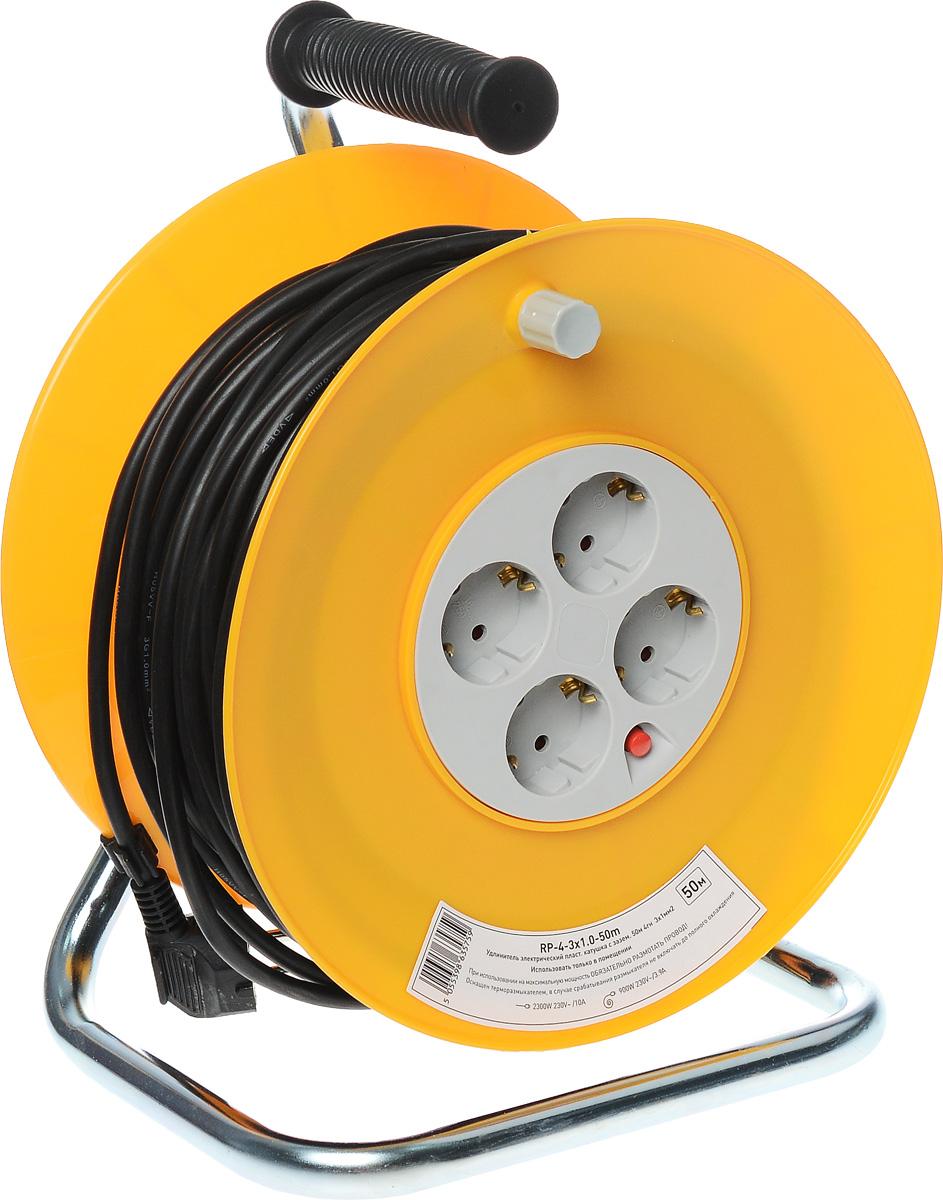 Удлинитель силовой ЭРА RP-4-3x1.0-50m, на катушке, 4 гнезда, 50 мRP-4-3x1.0-50mСиловой удлинитель ЭРА RP-4-3x1.0-50m позволяет подключить несколько потребителей к одной электрической розетке, а также обеспечит защиту сети и оборудования в случае перегрузки. За счет большой длины кабеля незаменим на садовом участке, при проведении строительных и ремонтных работ. 3 медные жилы сечением 1 мм2 обеспечивают допустимую максимальную мощность нагрузки в 2300 Вт. Сечение жилы провода является ключевым элементом качества силового удлинителя. Рама катушки выполнена из металла, что позволяет добиться максимальной механической прочности и долговечности конструкции. Корпус и блок с розетками выполнен из полипропилена и поликарбоната - устойчив к механическим повреждениям, царапинам, соответствует требованиям пожаробезопасности. Терморазмыкатель в случае превышения допустимой нагрузки размыкает цепь и предотвращает перегрев проводов. В отличие от плавкого предохранителя, для возобновления работы силового удлинителя достаточно устранить источник перегрузки и вжать кнопку терморазмыкателя. Технические характеристики: Сечение провода: 3х1 мм2. Номинальное напряжение: 230В / 50 Гц. Сила тока/мощность максимальная в смотанном виде: 3,9А / 900 Вт. Сила тока/мощность максимальная в размотанном виде: 10А / 2300 Вт. Наличие заземляющего контакта: да. Температурный режим эксплуатации стационарно: от -40°С до +60°С. Температурный режим эксплуатации подвижно: от -5°С до +60°С. Материал корпуса: полипропилен, поликарбонат, металл.