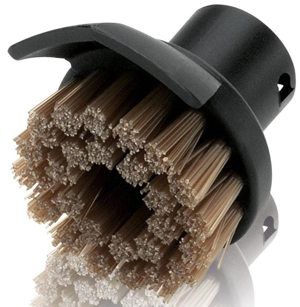 Karcher 28631400 насадка для пароочистителя28631400Насадка Karcher 28631400 оснащена двухрядной жаростойкой щетиной и скребком для устранения стойкой грязи (например, жировых отложений с плит). Данная насадка не подходит для обработки чувствительных поверхностей - деревянных, пластиковых и т. п. Стойкие загрязнения на керамике можно предварительно потереть скребком.