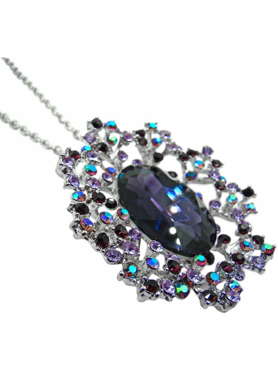 Подвеска Taya, цвет: серебристый, фиолетовый. T-B-10349Брошь-кулонСтильная подвеска Tayaвыполнена из ювелирного сплава серебристого цвета. На мелкой цепи якорного плетения располагается брошь-кулон в виде волшебного цветка с огромным кристаллом глубокого фиолетового цвета в центре. Сам кристалл утоплен в лепестках, собранных из страз сиреневых оттенков. Можно снять кулон и использовать в виде броши на платок, на головной убор или на жакет.Очаровательная подвеска Tayaпоможет создать уникальный и запоминающийся образ.