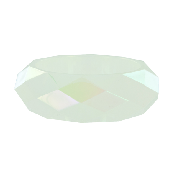 Браслет Taya, цвет: опал. T-B-5835Браслет с подвескамиСтильный браслет Taya, изготовленный из гипоаллергенного материала, выполнен из граненного пластика. Такой оригинальный браслет не оставит равнодушной ни одну любительницу изысканных и необычных украшений, а также позволит с легкостью воплотить самую смелую фантазию и создать собственный, неповторимый образ.