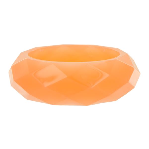 Браслет Taya, цвет: коралловый. T-B-5836Браслет с подвескамиСтильный браслет Taya, изготовленный из гипоаллергенного материала, выполнен из граненного пластика. Такой оригинальный браслет не оставит равнодушной ни одну любительницу изысканных и необычных украшений, а также позволит с легкостью воплотить самую смелую фантазию и создать собственный, неповторимый образ.