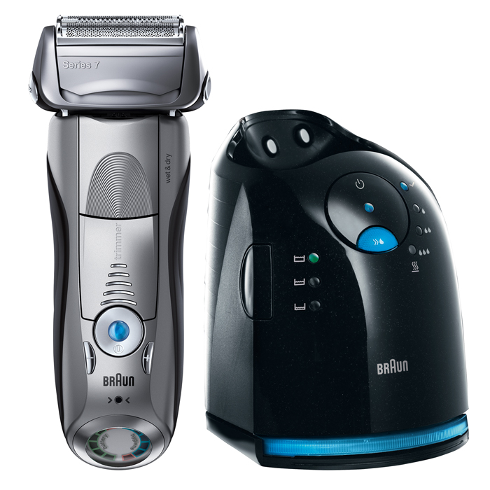 Braun 799cc-7 Wet&Dry, Black электробритва81546449Braun 799cc-7 Wet&Dry является самой технологически усовершенствованной бритвой от Braun. Её революционная технология Sonic автоматически адаптирует её мощность к густоте щетины на Вашем лице и посылает 10 000 микровибраций с каждым прикосновением - для более тщательного и комфортного бритья. Кроме того, Серия 7 сочетает в себе безупречное немецкое исполнение и всемирно известный дизайн.ActiveLift - единственный в мире запатентованный триммер, совершающий 130 движений в секунду, который приподнимает и срезает прилегающие к коже волоски. Наши многолетние исследования показали, что больше всего мужчинам необходимо тщательное чистое бритьё – даже в труднодоступных местах, таких как шея, где волоски чаще всего близко прилегают к коже. Благодаря своей ассиметричной форме триммер специально создан для того, чтобы захватывать непослушные волоски на любом проблемном участке.OptiFoil является самой продвинутой бреющей сеткой от Braun. Её уникальная геометрия с отверстиями различных размеров позволяет захватывать больше волосков и срезать их близко как никогда. Плавающая в 4-х направлениях бреющая головка создана для максимальной адаптации к контурам лица.5-ступенчатая система очистки заряжает, очищает, дезинфицирует, смазывает и тщательно сушит вашу бритву. И все это - одним нажатием кнопки. Тесты показали, что использование системы очистки и подзарядки в десять раз более гигиенично, чем простое ополаскивание бритвы под проточной водой. Сменный картридж Clean & Renew нужно менять примерно 4 раза в год, чтобы Ваша бритва была в идеальном состоянии каждый день.